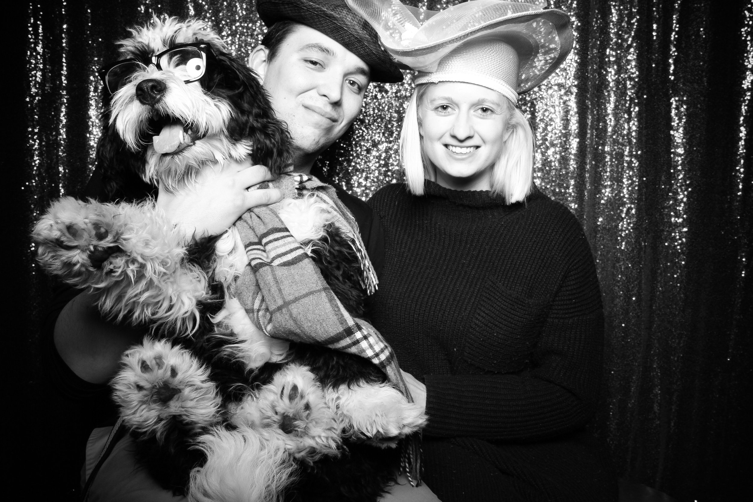 Chicago_Vintage_Photobooth_Valentines_Day_Dog_04.jpg