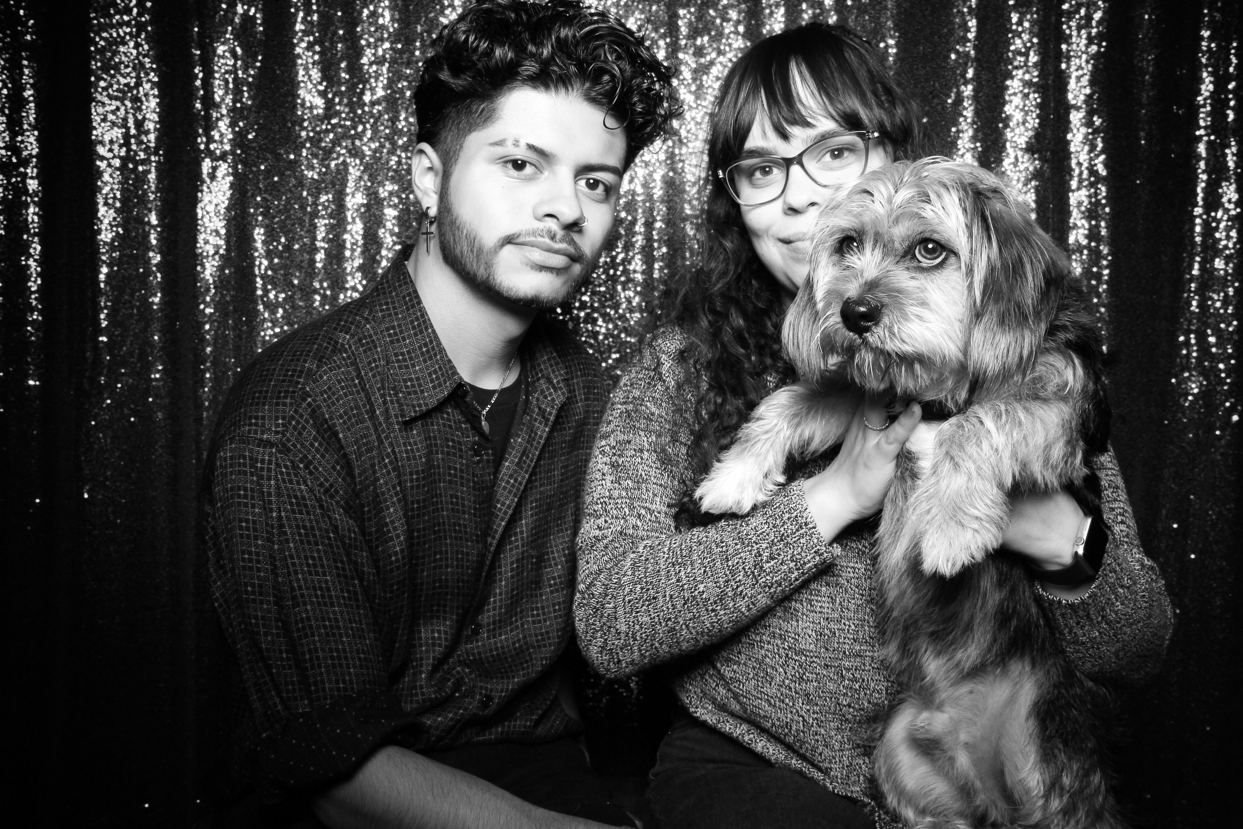 Chicago_Vintage_Photobooth_Valentines_Day_Dog_17.jpg