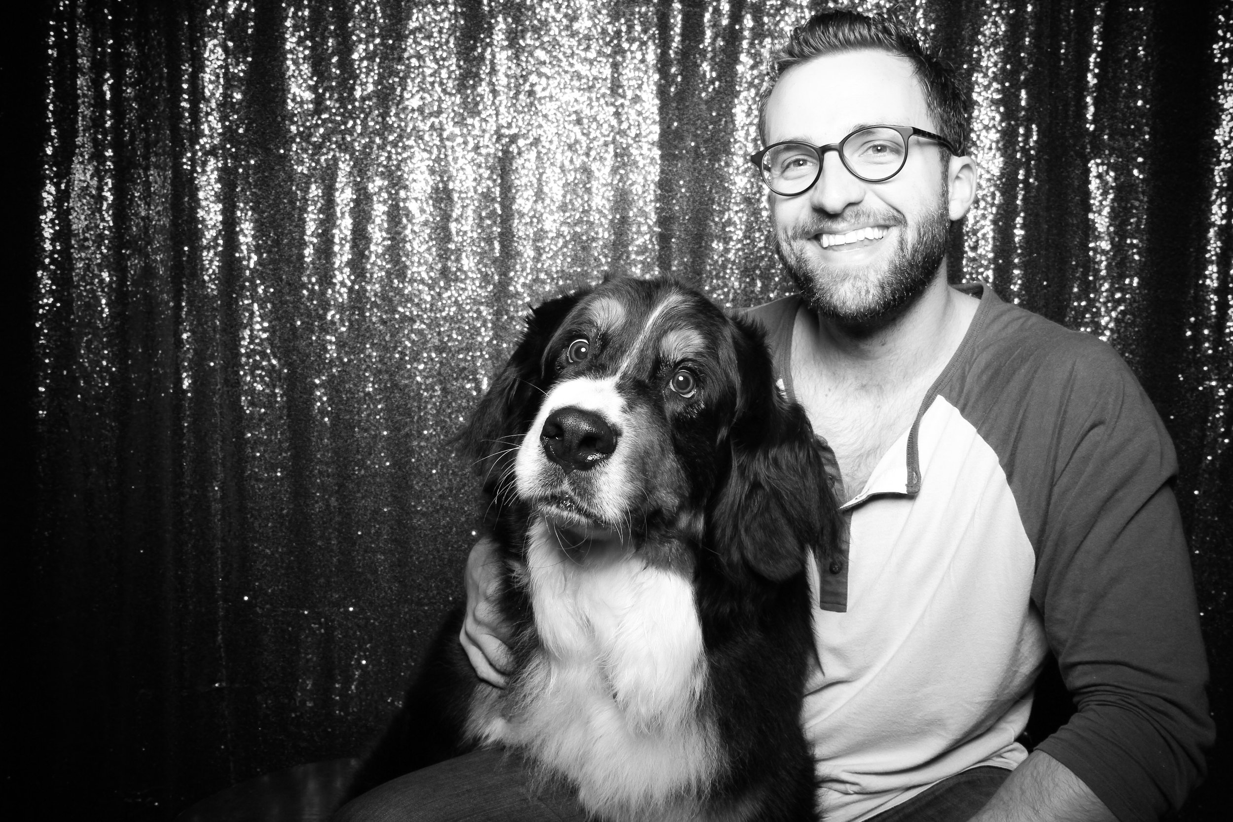 Chicago_Vintage_Photobooth_Valentines_Day_Dog_22.jpg