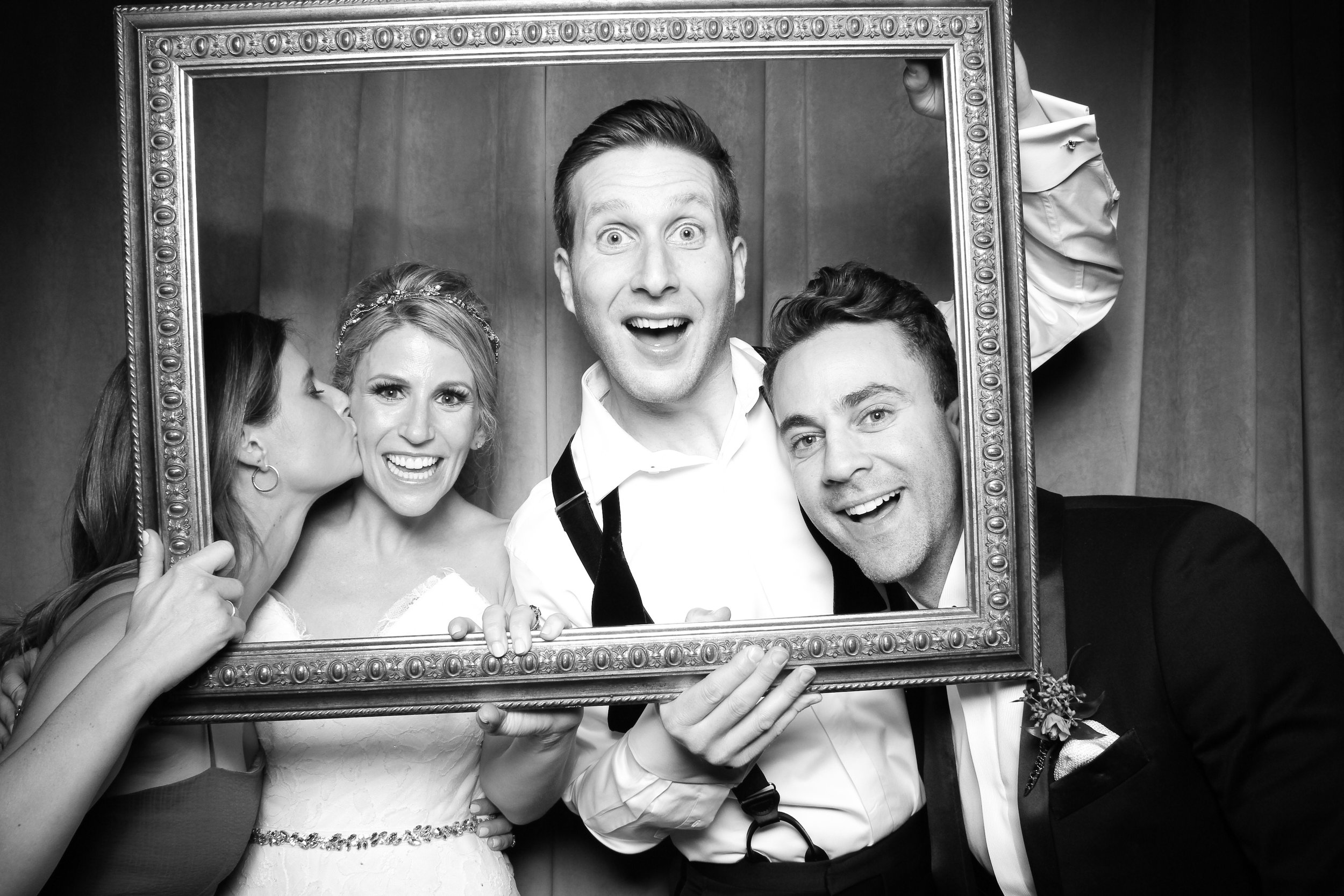 Chicago_Vintage_Wedding_Photobooth_Four_Seasons_27.jpg