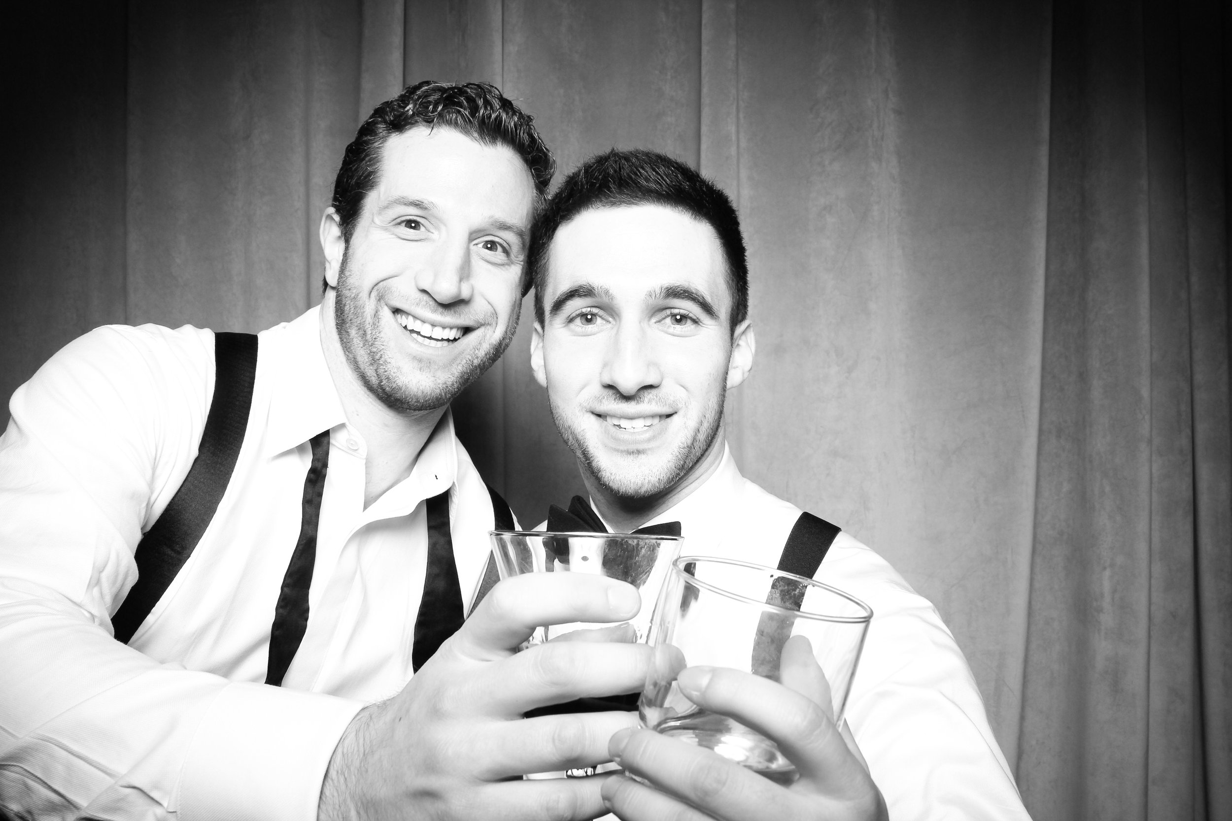 Chicago_Vintage_Wedding_Photobooth_Four_Seasons_33.jpg