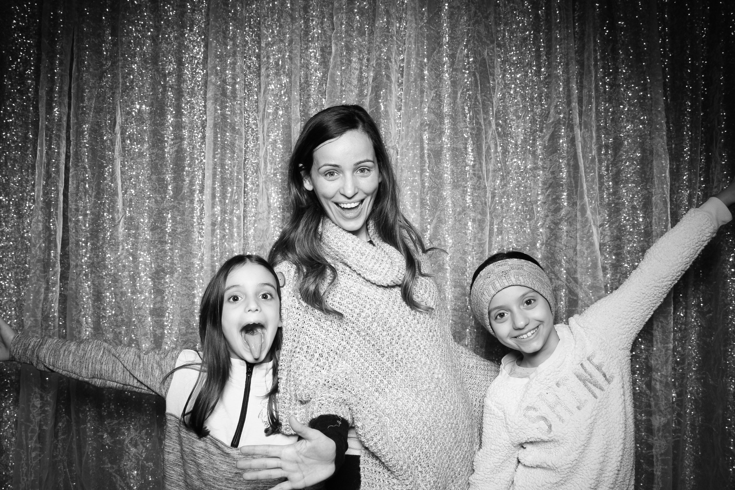 Chicago_Vintage_Wedding_Photobooth_Downers_Grove_01.jpg