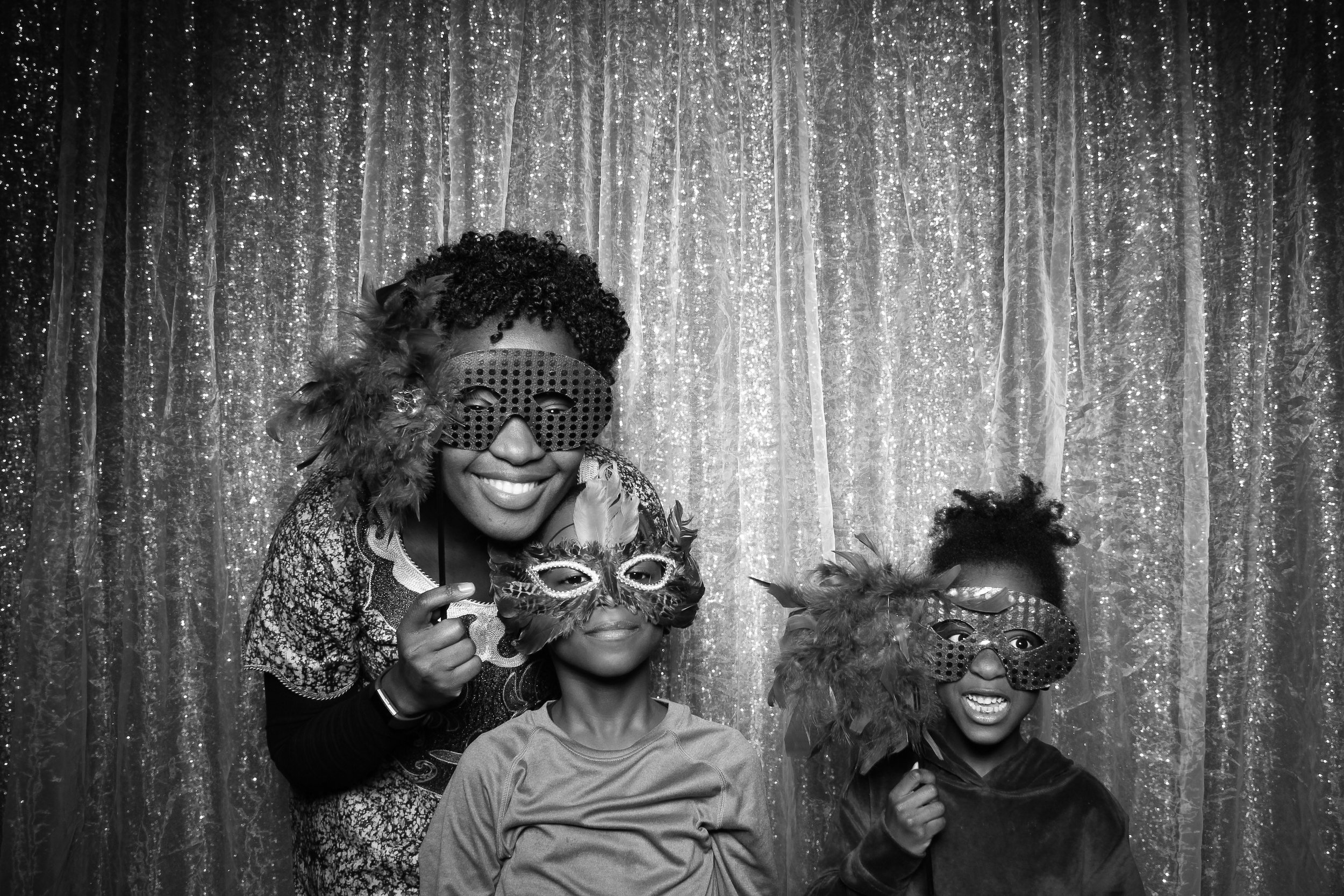Chicago_Vintage_Wedding_Photobooth_Downers_Grove_05.jpg