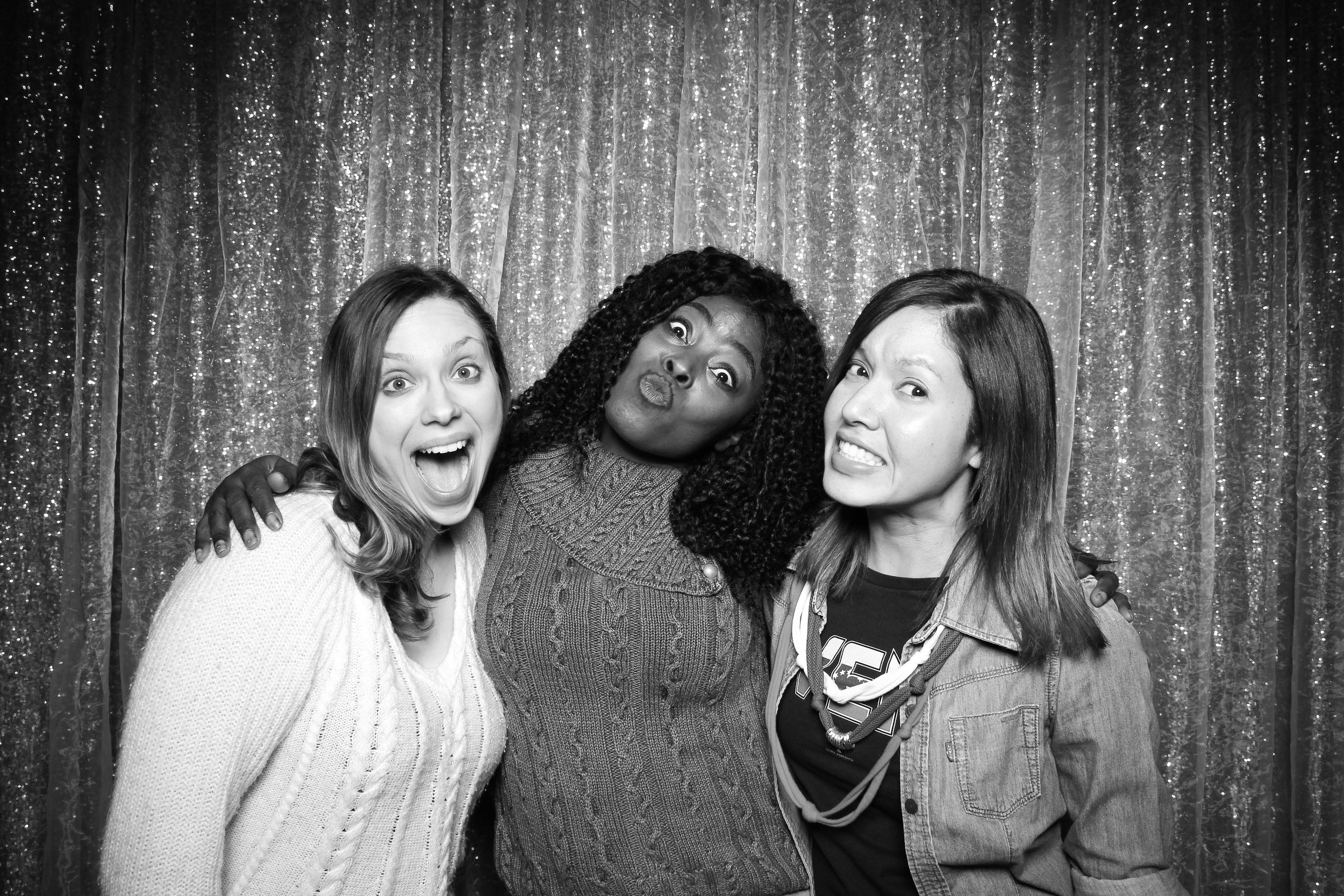 Chicago_Vintage_Wedding_Photobooth_Downers_Grove_15.jpg