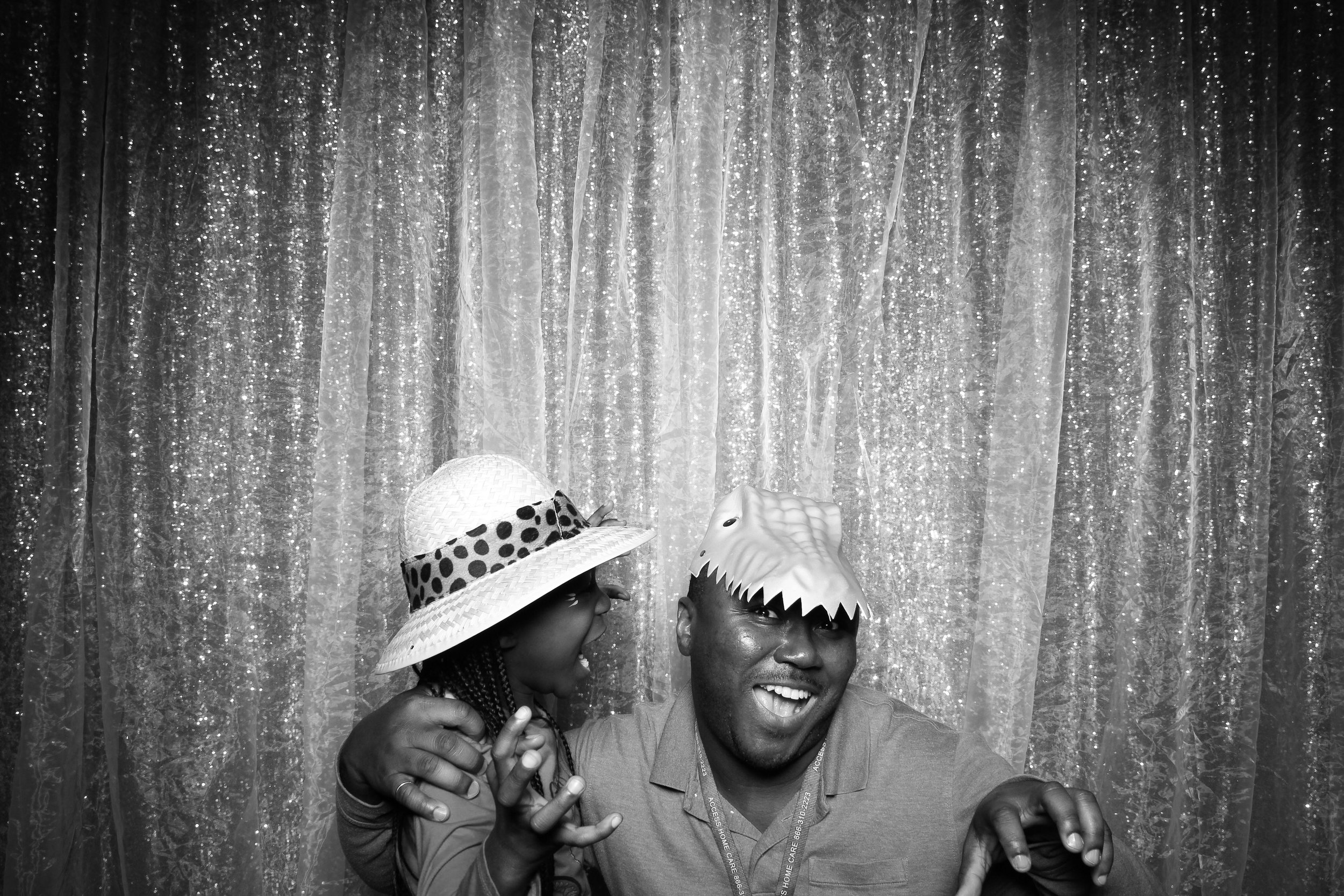 Chicago_Vintage_Wedding_Photobooth_Downers_Grove_18.jpg