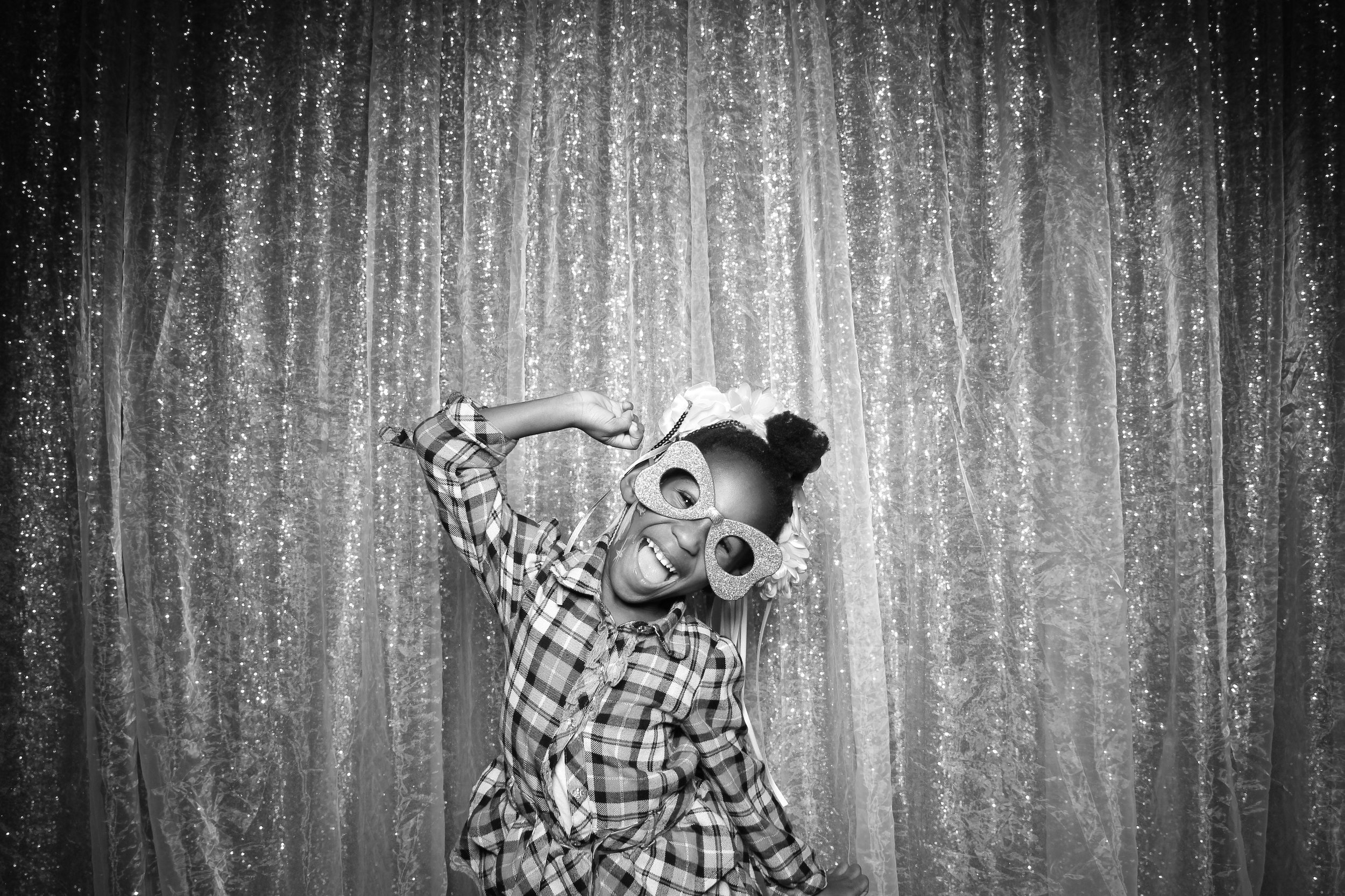 Chicago_Vintage_Wedding_Photobooth_Downers_Grove_24.jpg
