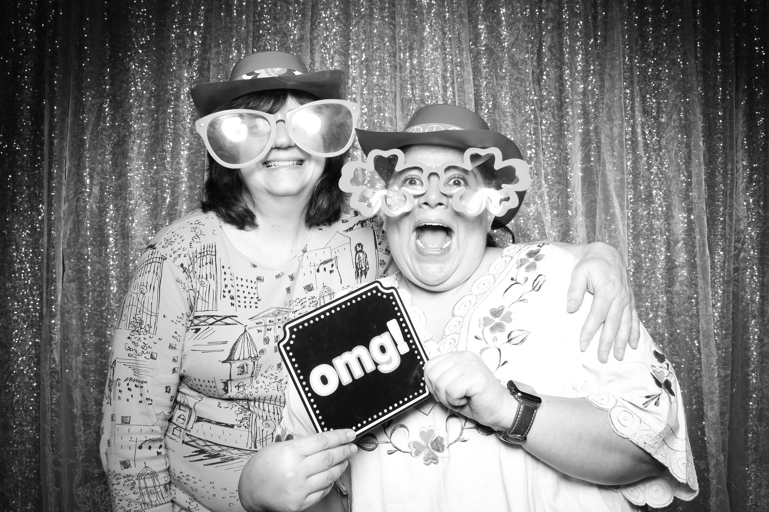 Chicago_Vintage_Wedding_Photobooth_Downers_Grove_29.jpg