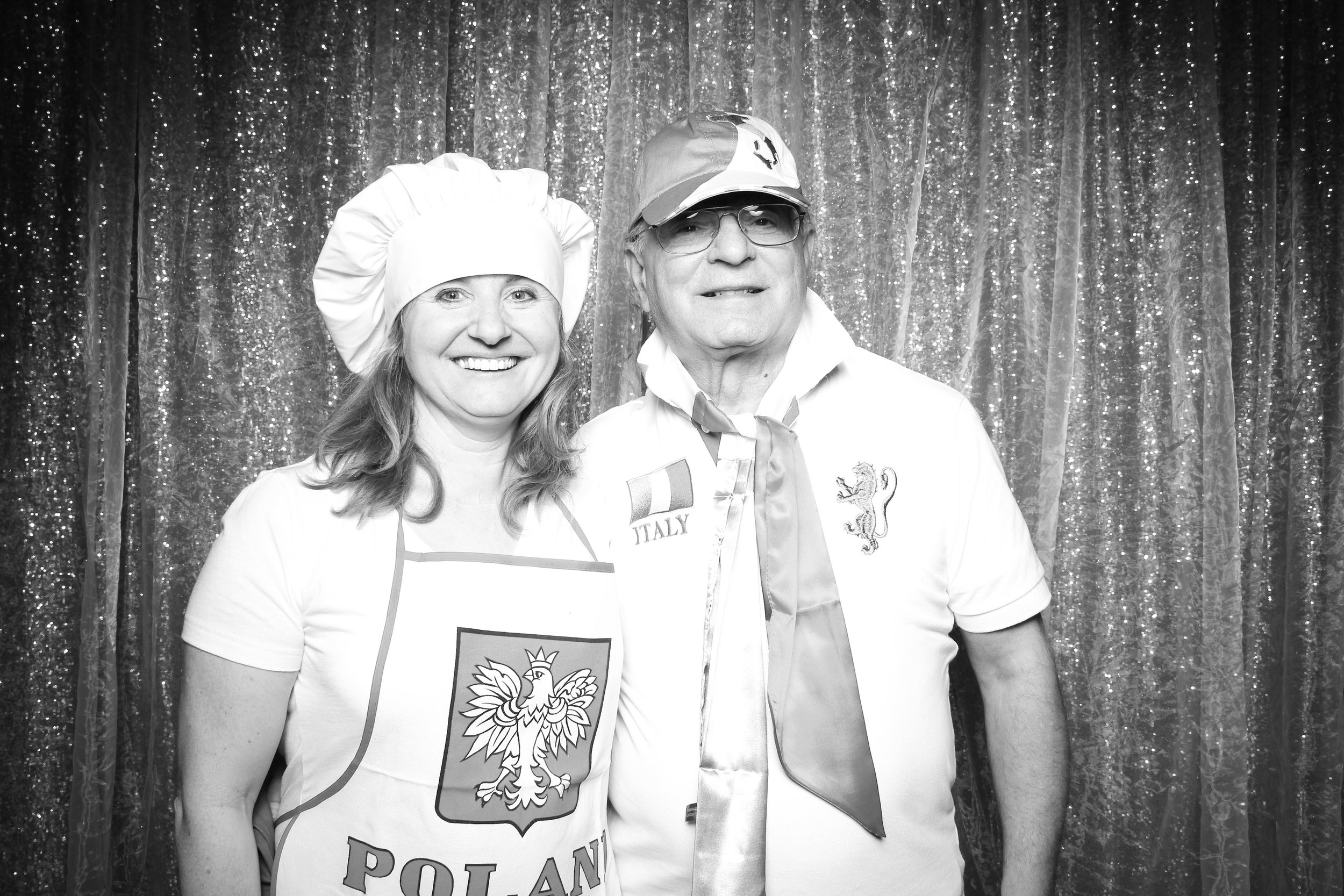 Chicago_Vintage_Wedding_Photobooth_Downers_Grove_40.jpg