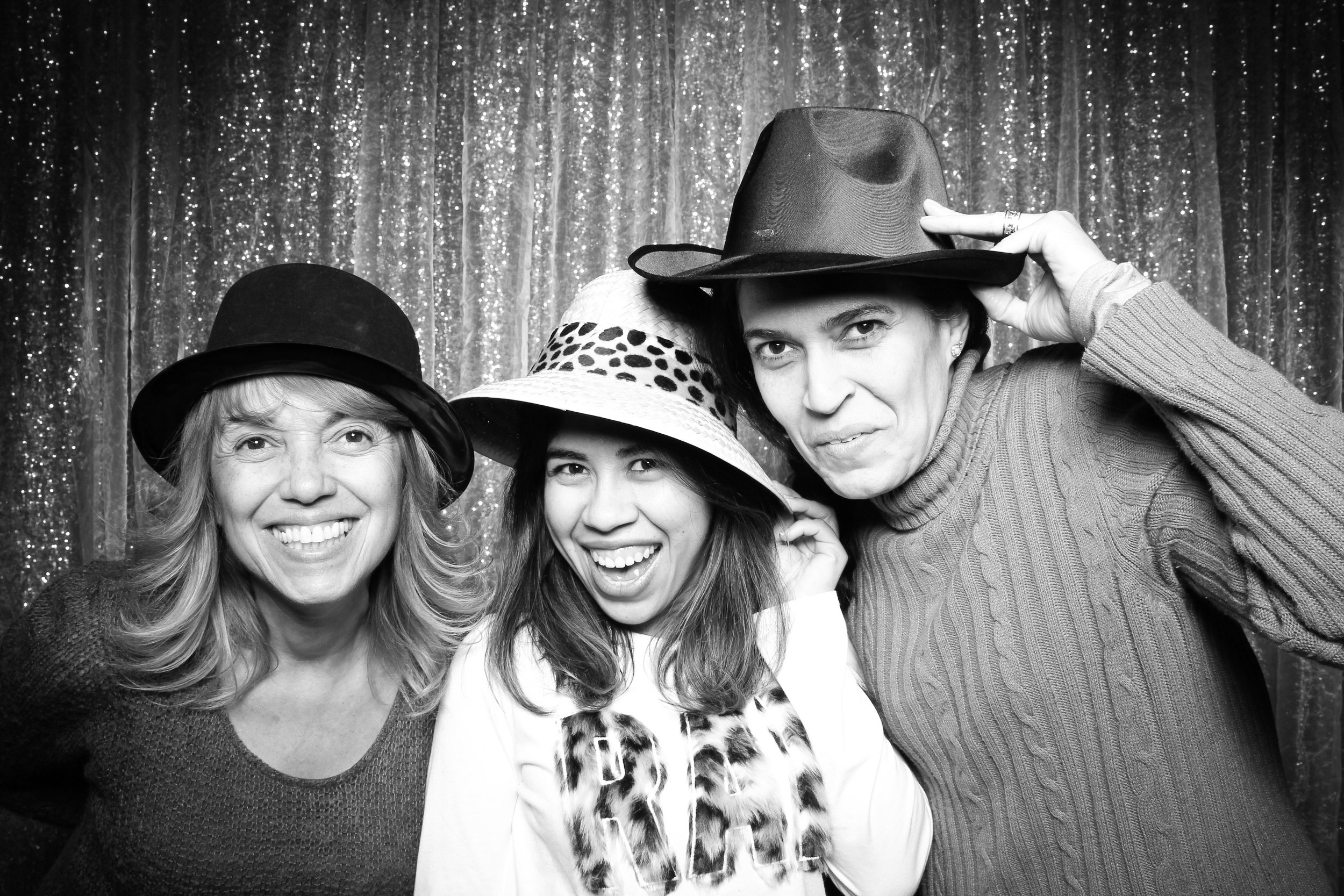 Chicago_Vintage_Wedding_Photobooth_Downers_Grove_41.jpg