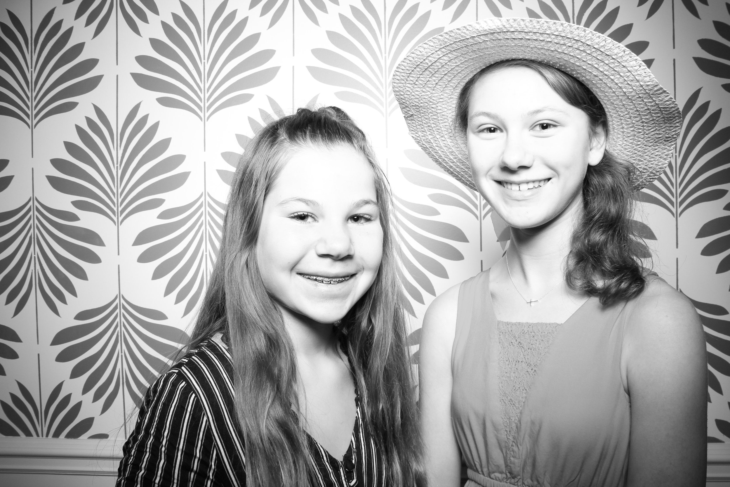 LaGrange_Country_Club_Photo_Booth_Wedding_Reception__03.jpg
