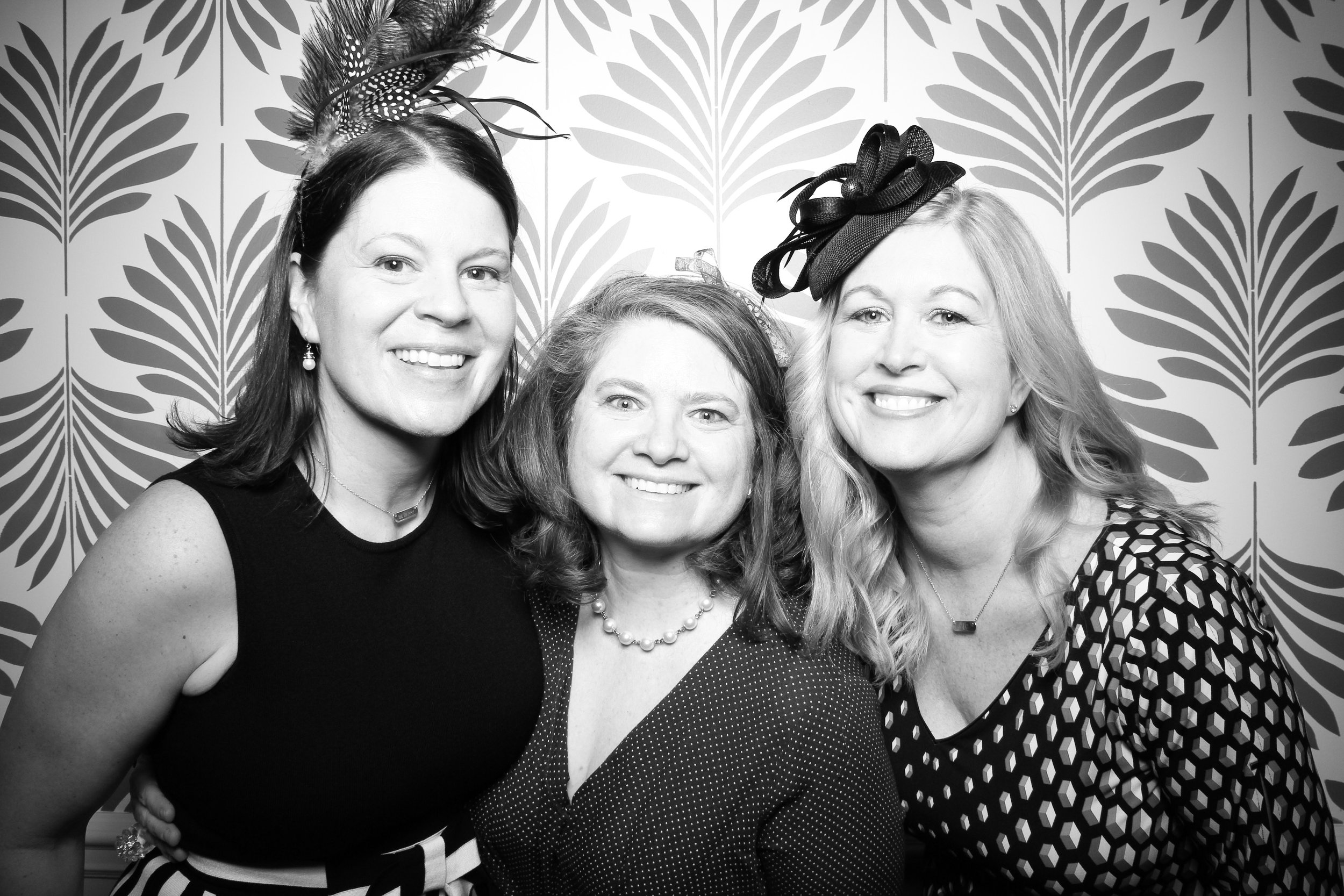 LaGrange_Country_Club_Photo_Booth_Wedding_Reception__10.jpg