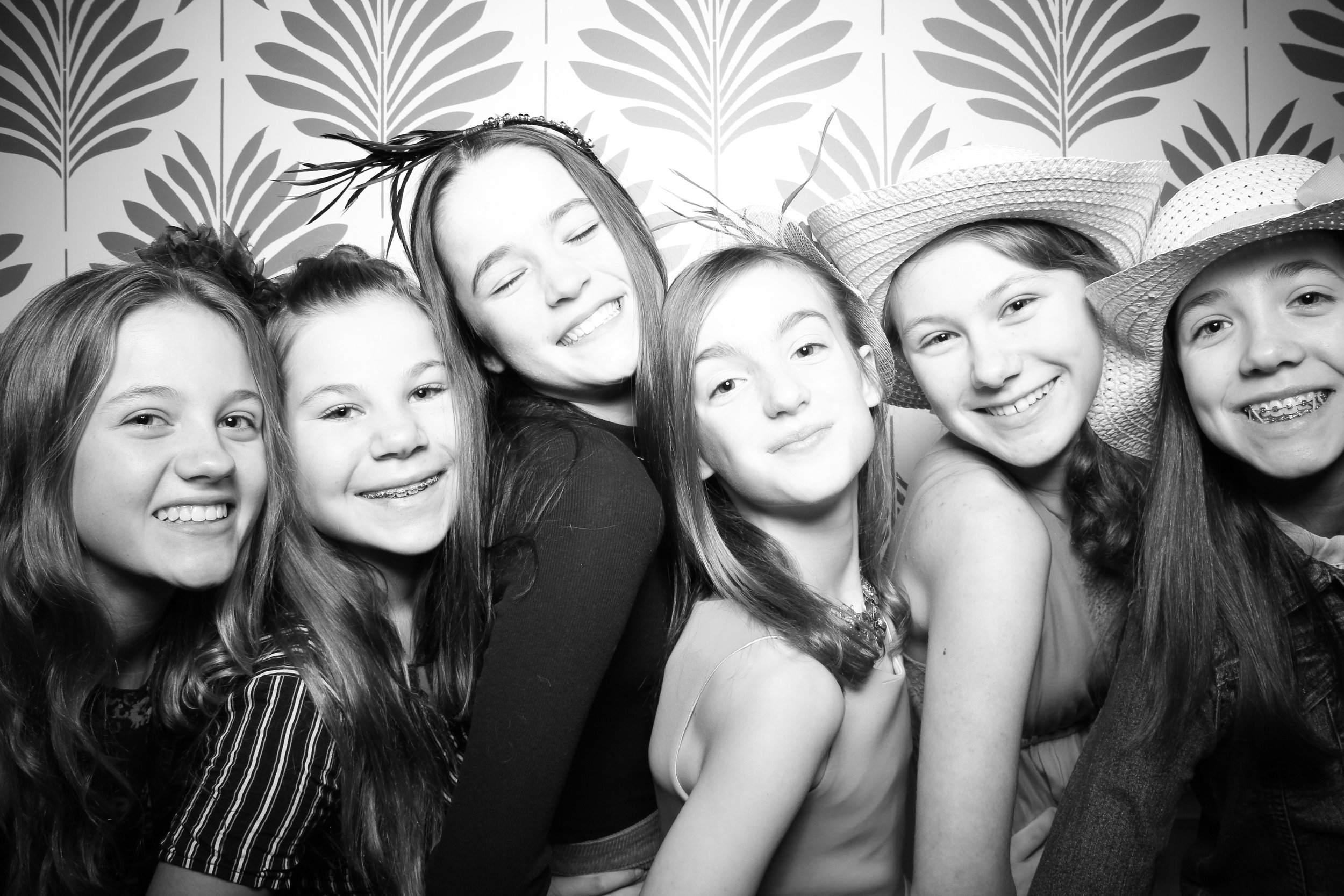 LaGrange_Country_Club_Photo_Booth_Wedding_Reception__13.jpg