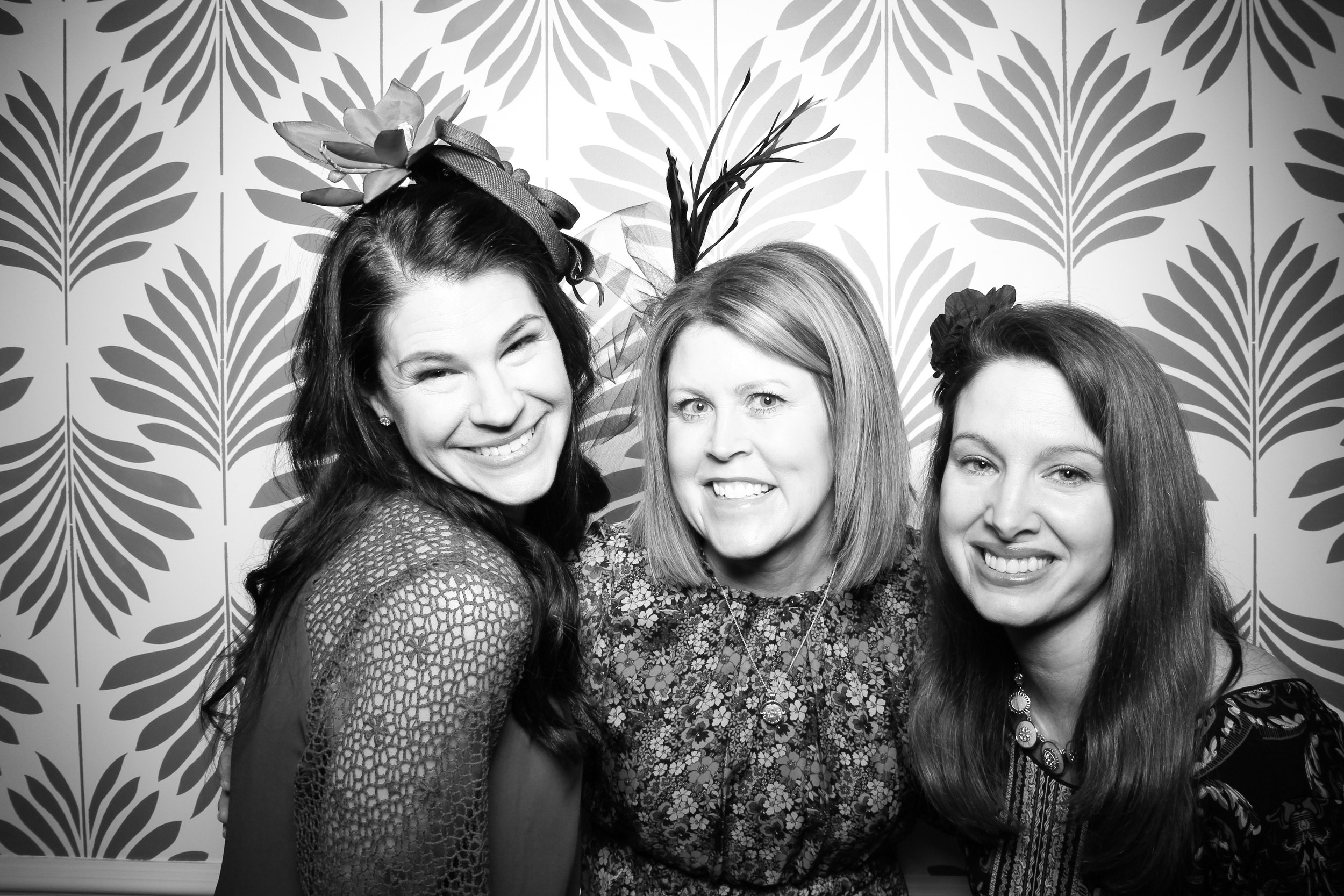 LaGrange_Country_Club_Photo_Booth_Wedding_Reception__16.jpg