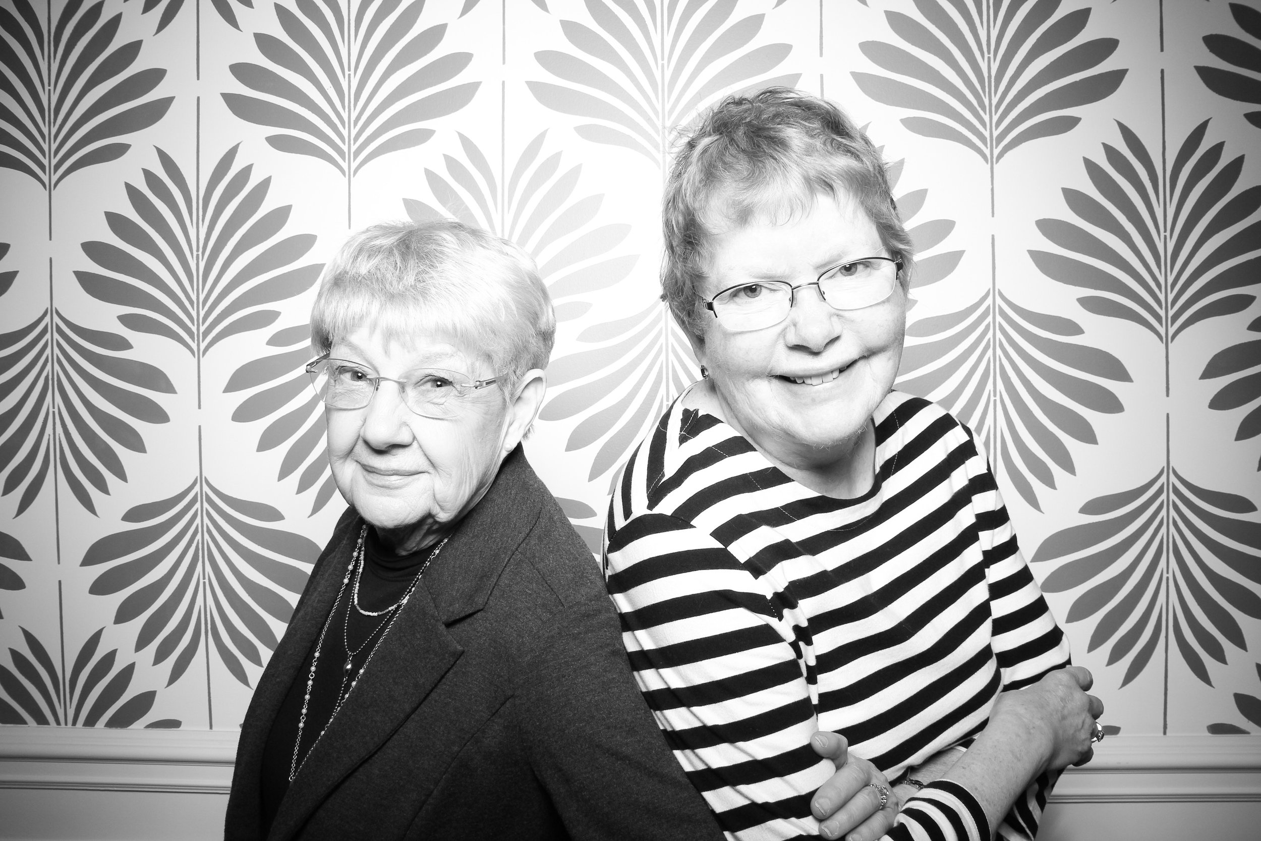 LaGrange_Country_Club_Photo_Booth_Wedding_Reception__18.jpg
