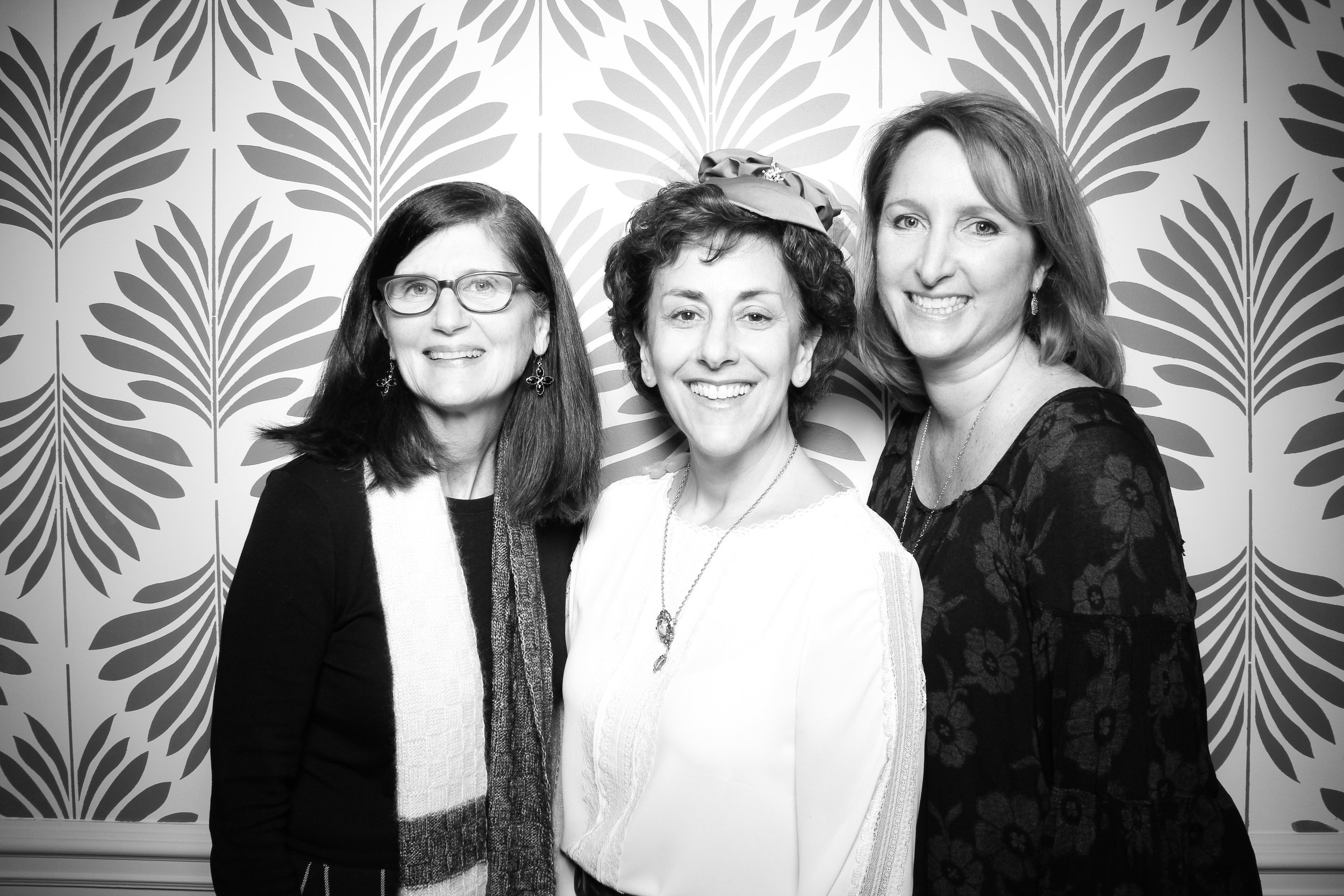 LaGrange_Country_Club_Photo_Booth_Wedding_Reception__19.jpg