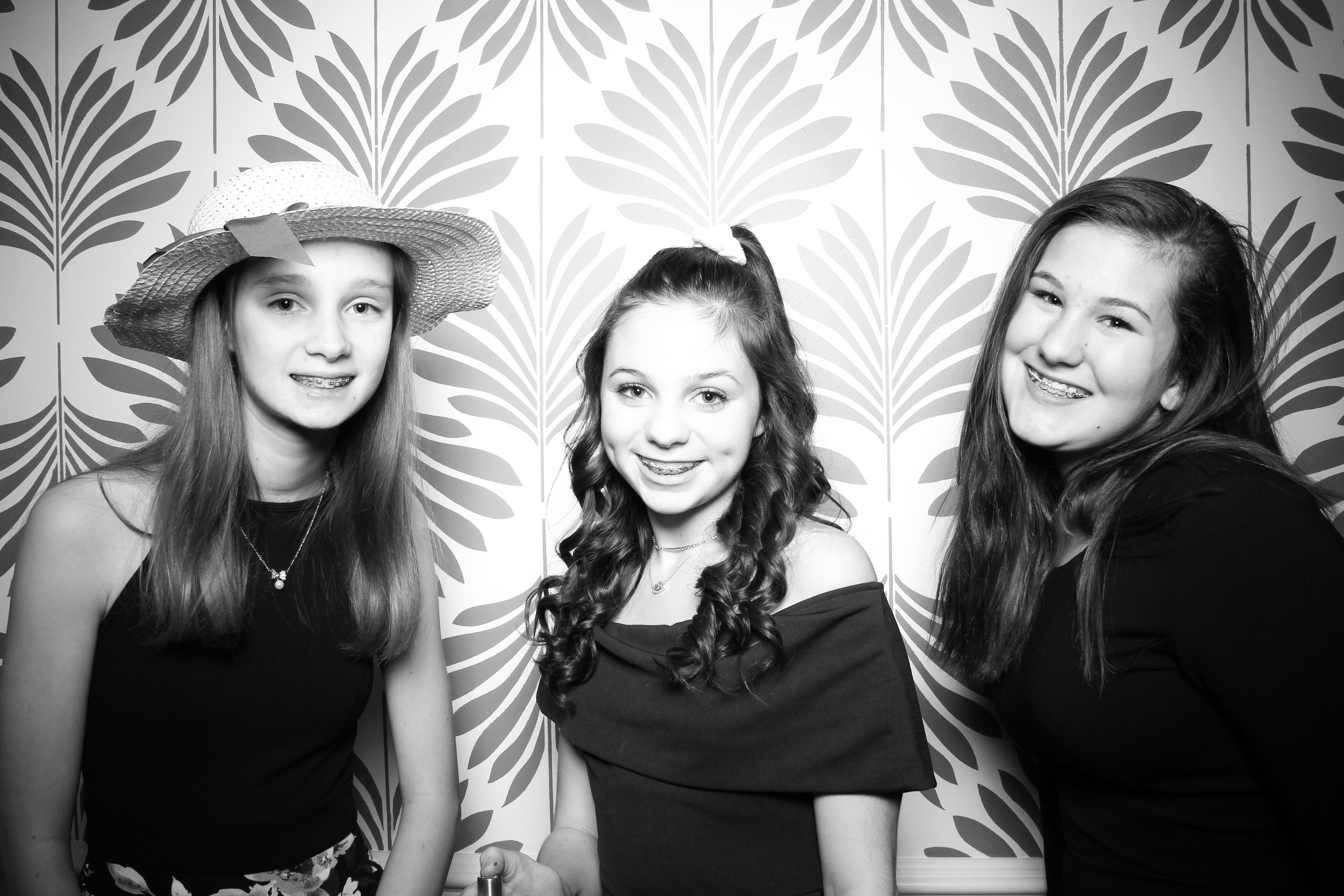 LaGrange_Country_Club_Photo_Booth_Wedding_Reception__20.jpg