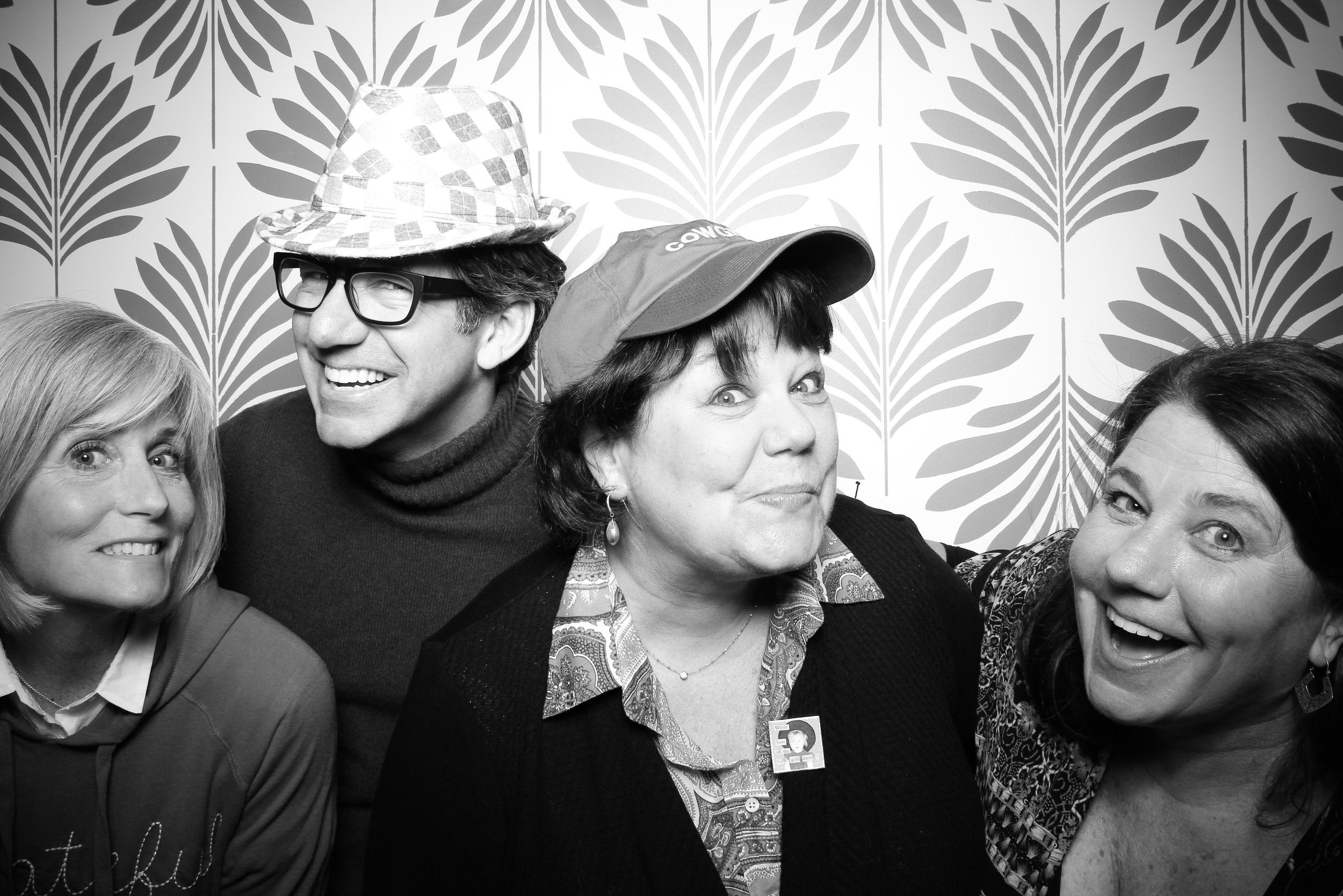 LaGrange_Country_Club_Photo_Booth_Wedding_Reception__21.jpg