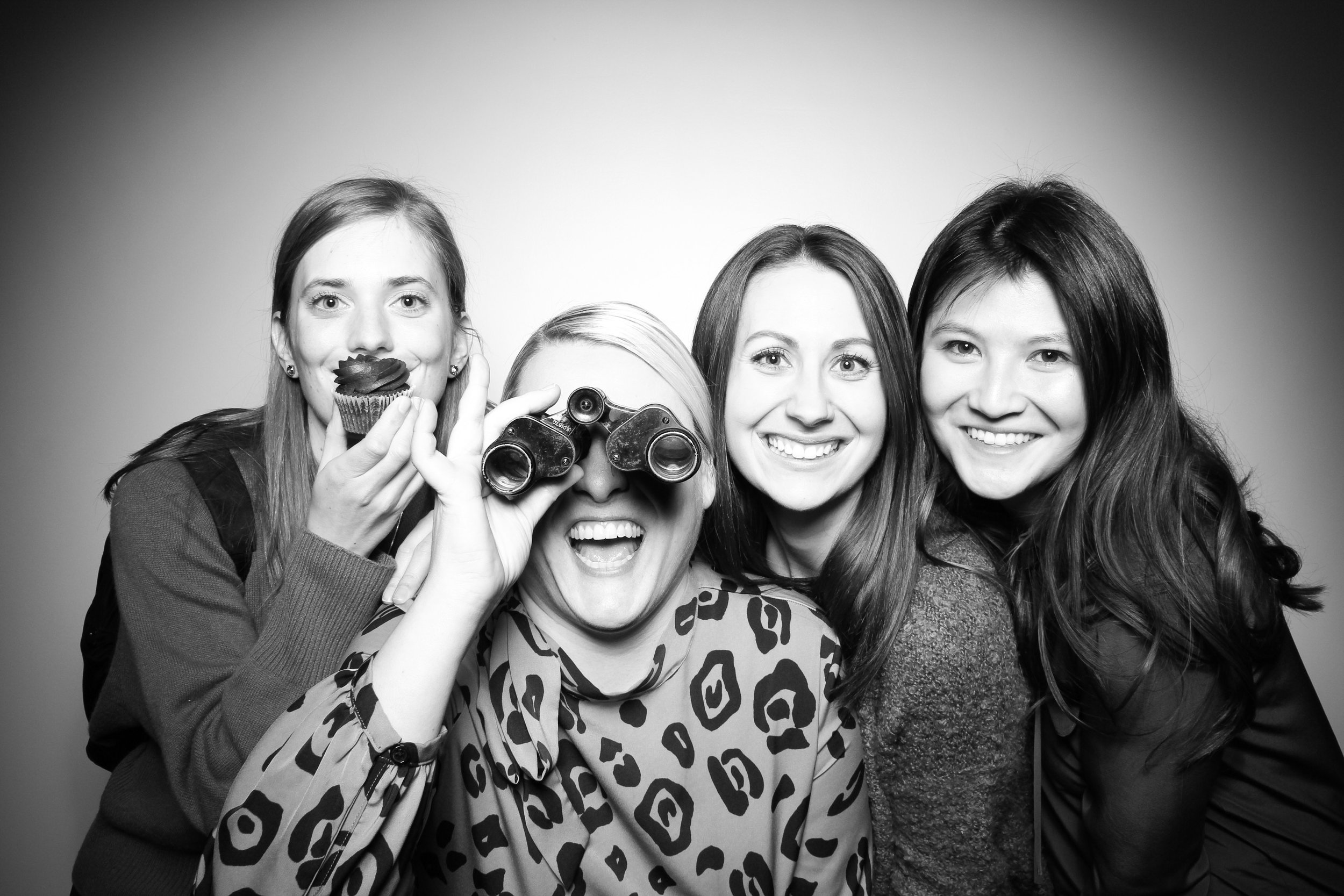 Venue_West_J&L_Catering_Chicago_Photo_Booth_Vitnage__10.jpg