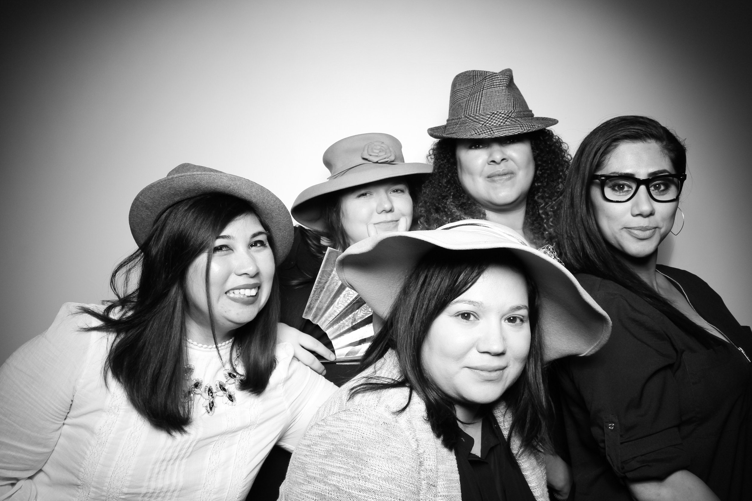 Venue_West_J&L_Catering_Chicago_Photo_Booth_Vitnage__11.jpg