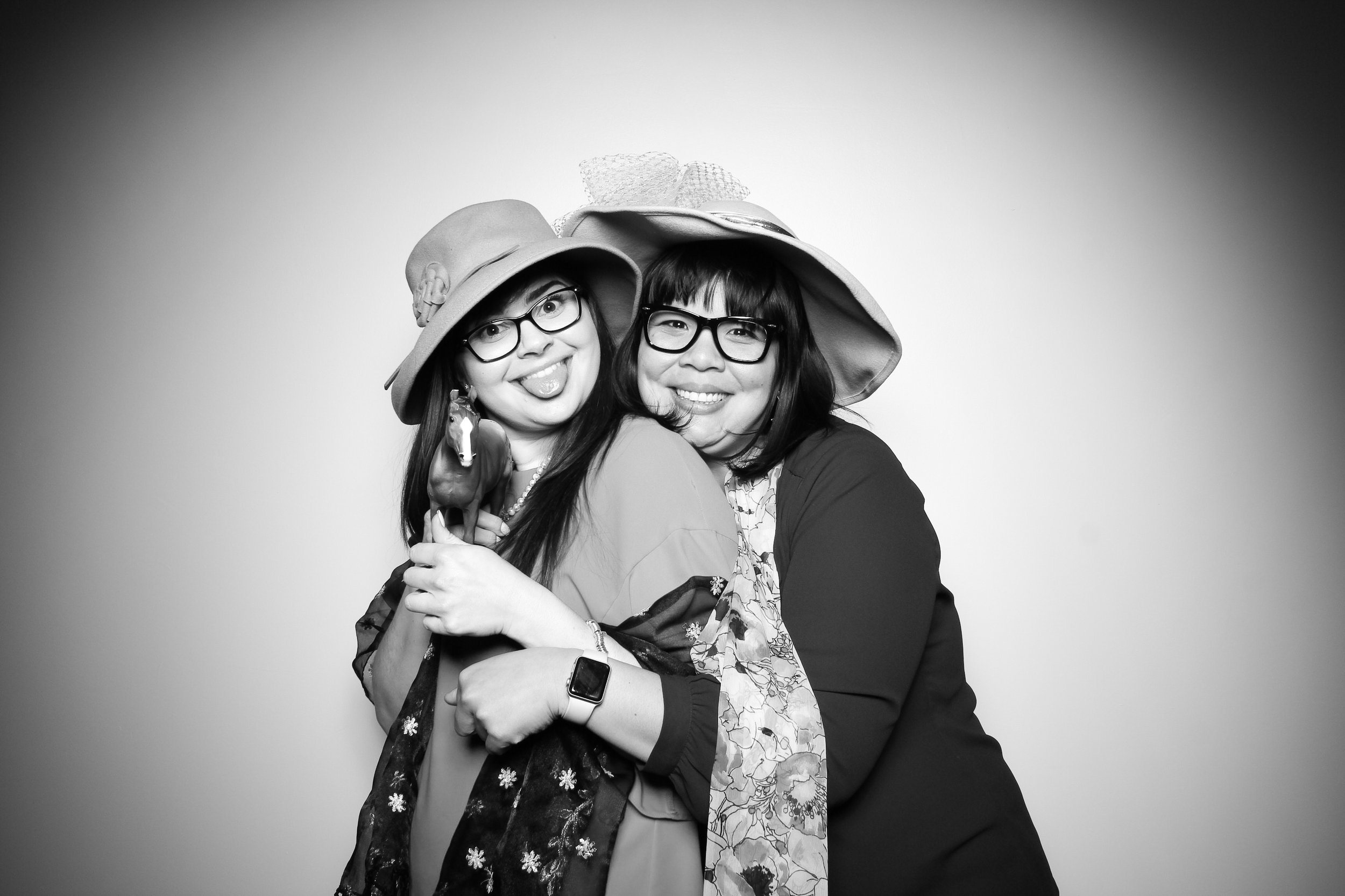 Venue_West_J&L_Catering_Chicago_Photo_Booth_Vitnage__13.jpg