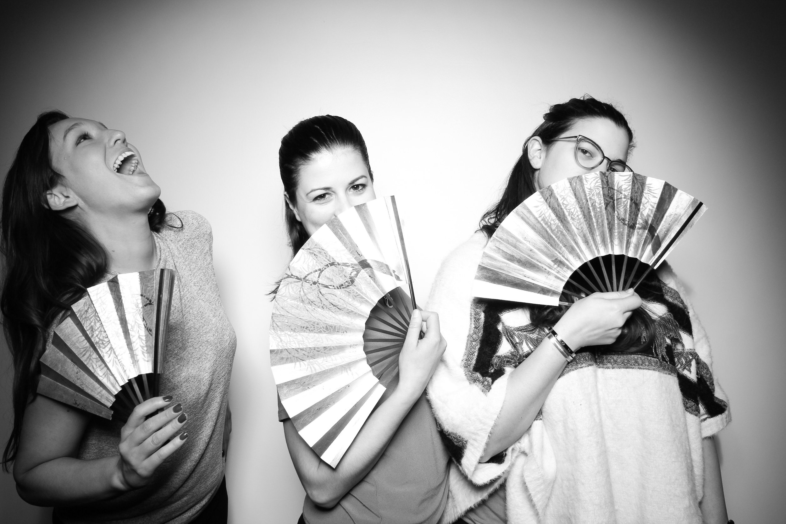 Venue_West_J&L_Catering_Chicago_Photo_Booth_Vitnage__20.jpg