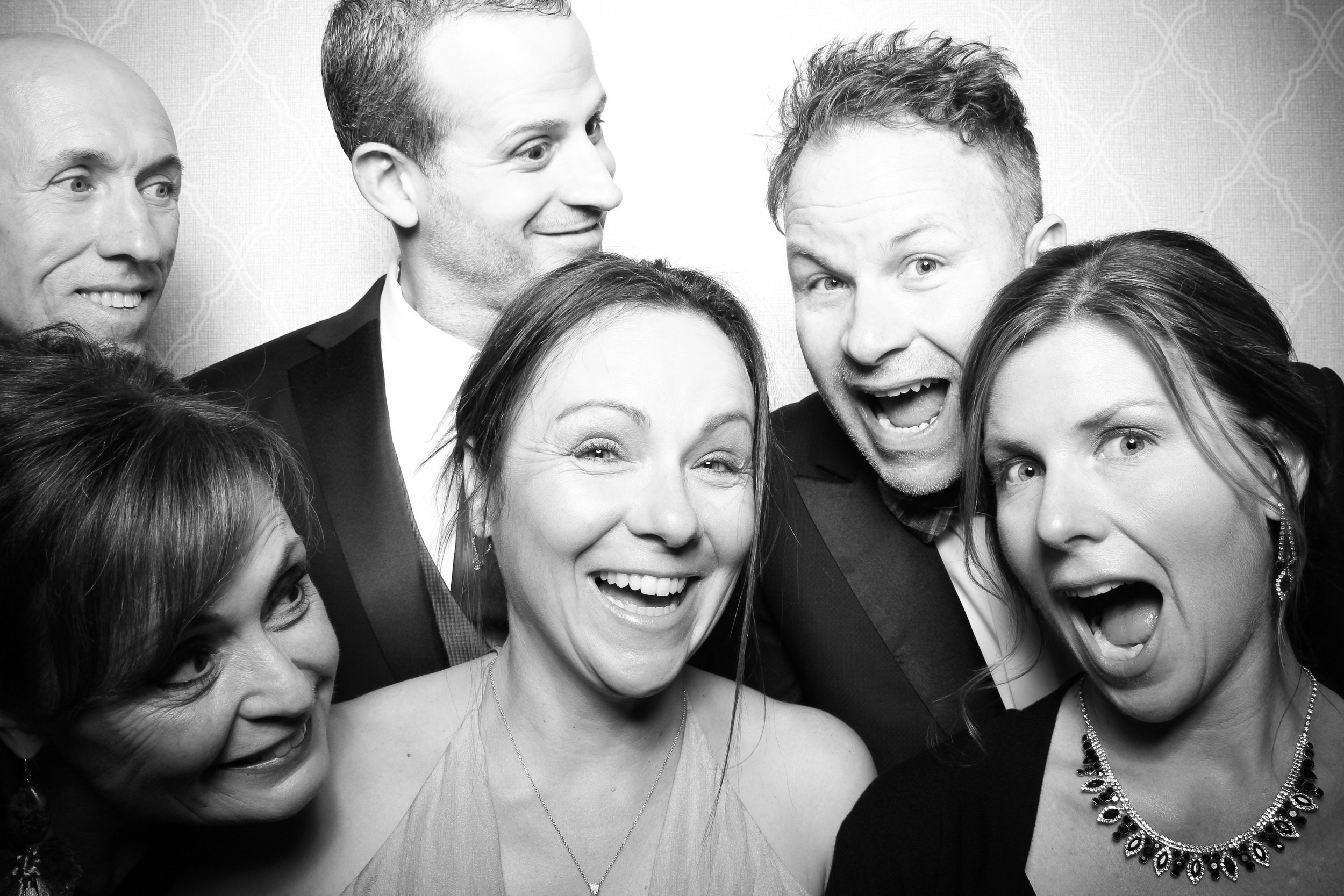 Chicago_Vintage_Wedding_Photobooth_Drake_Hotel_12.jpg