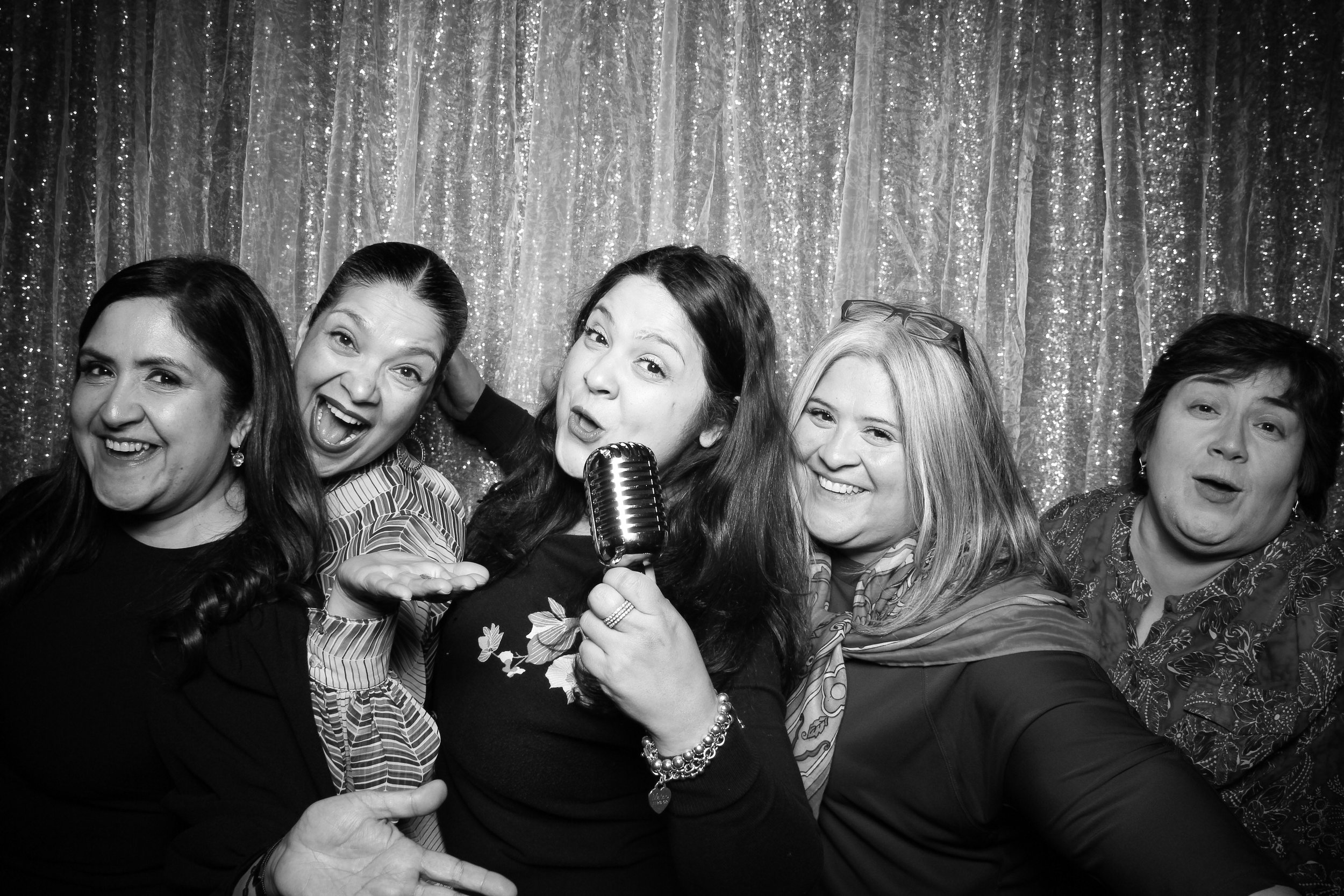 Chicago_Vintage_Wedding_Photobooth_Glen_Club_06.jpg
