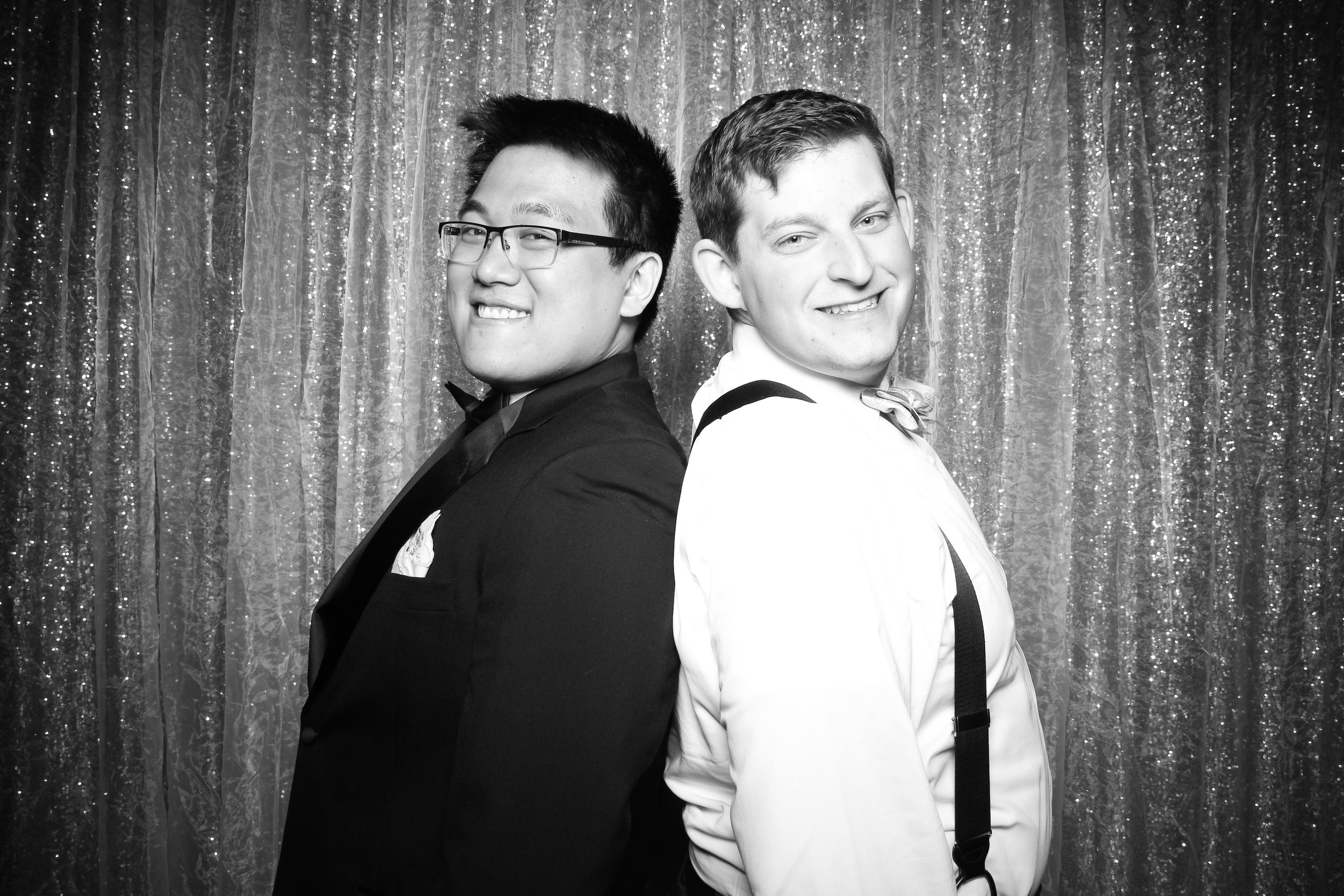 Chicago_Vintage_Wedding_Photobooth_Glen_Club_11.jpg