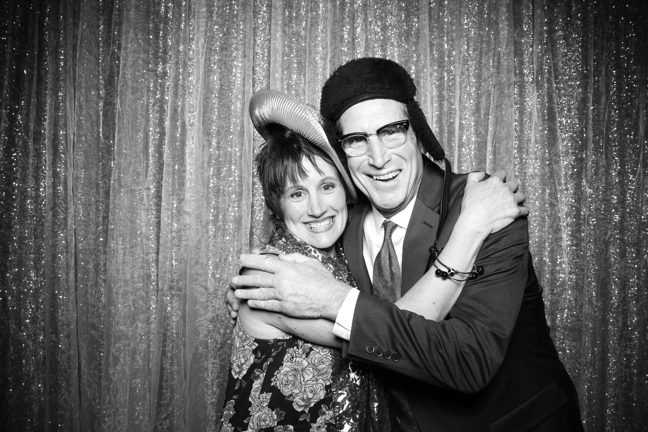 Chicago_Vintage_Wedding_Photobooth_Glen_Club_13.jpg