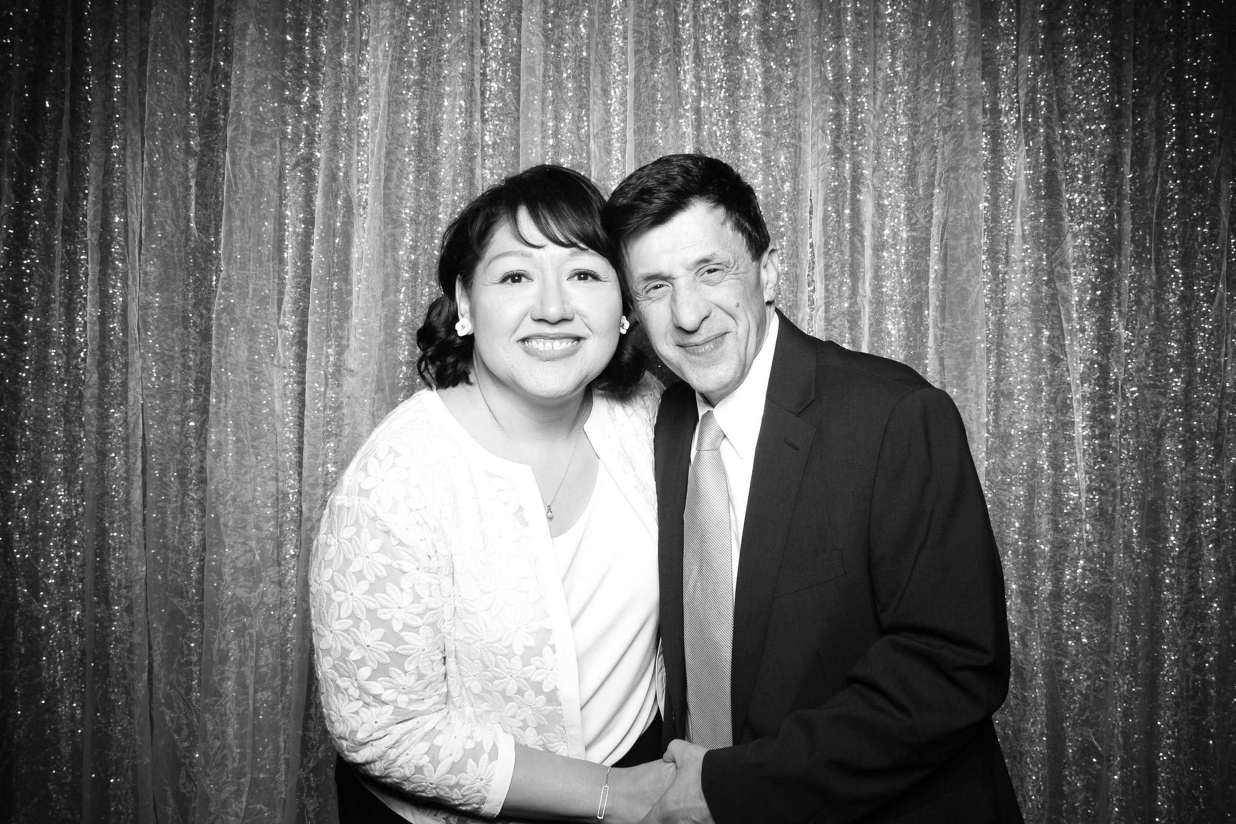 Chicago_Vintage_Wedding_Photobooth_Glen_Club_14.jpg