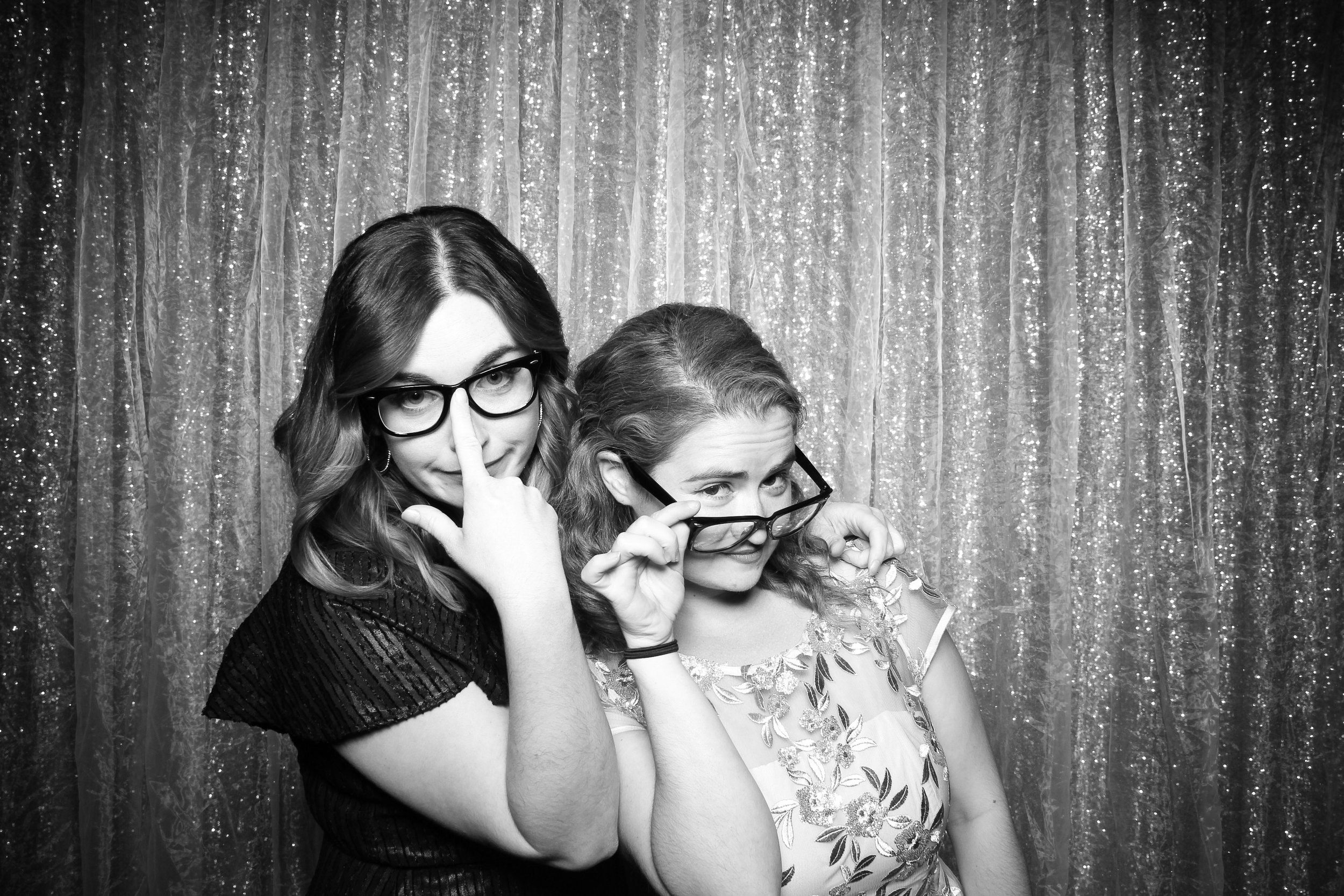 Chicago_Vintage_Wedding_Photobooth_Glen_Club_18.jpg