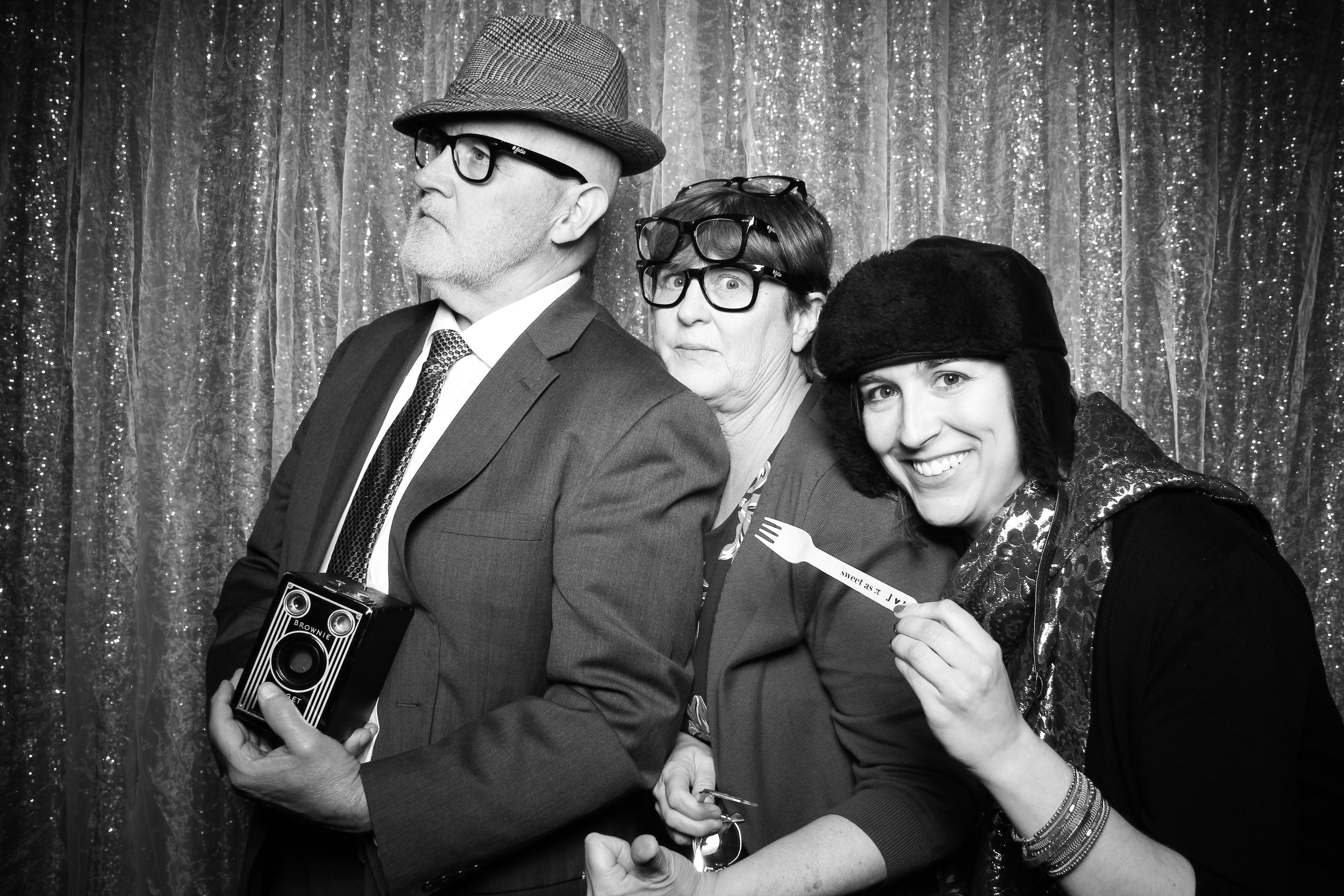 Chicago_Vintage_Wedding_Photobooth_Glen_Club_22.jpg