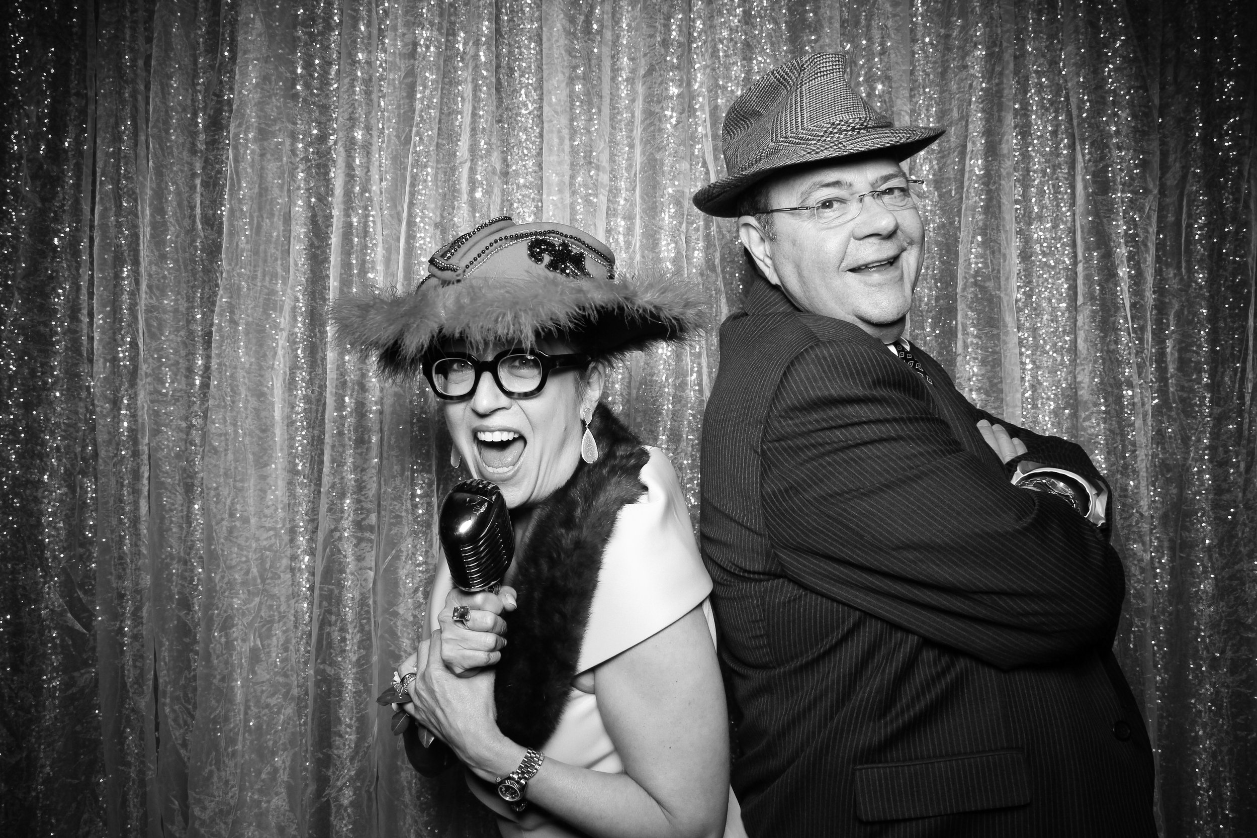 Chicago_Vintage_Wedding_Photobooth_Glen_Club_41.jpg