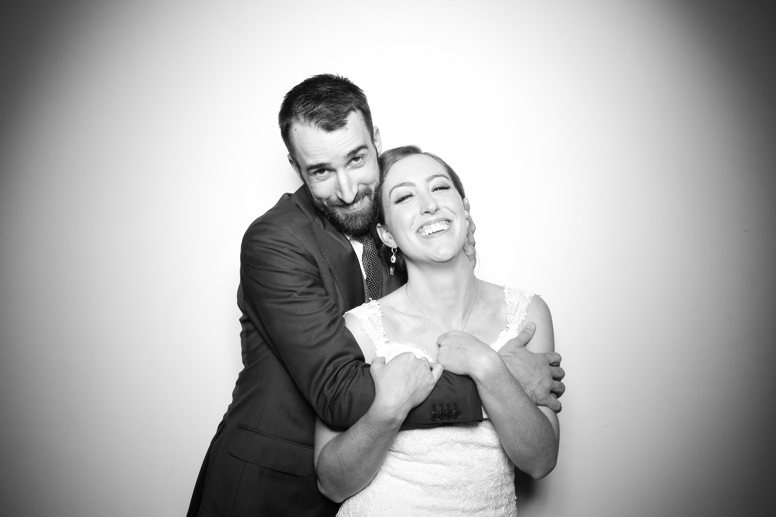 Chicago_Vintage_Wedding_Photobooth_Ravenswood_03.jpg