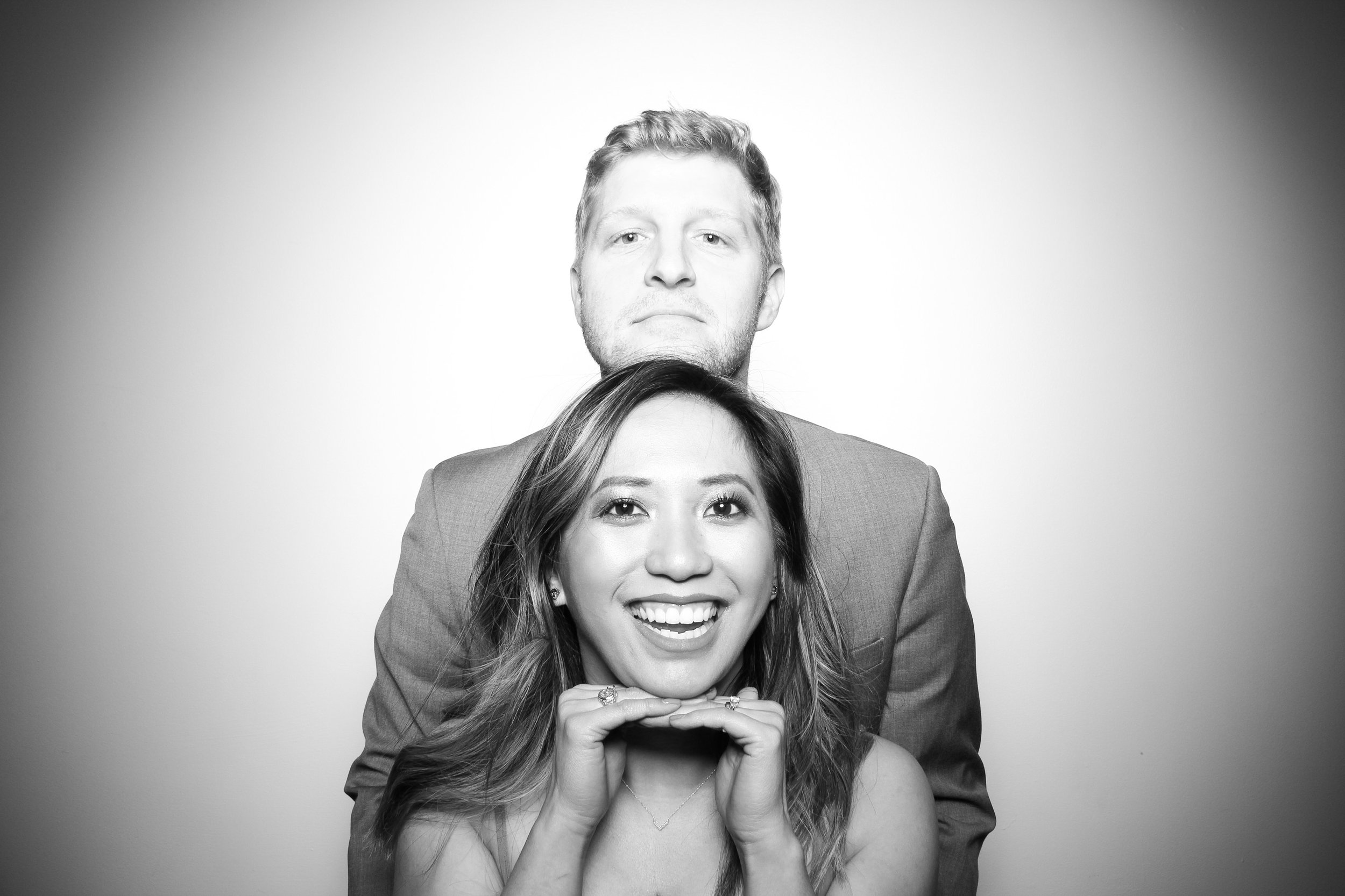 Chicago_Vintage_Wedding_Photobooth_Ravenswood_04.jpg