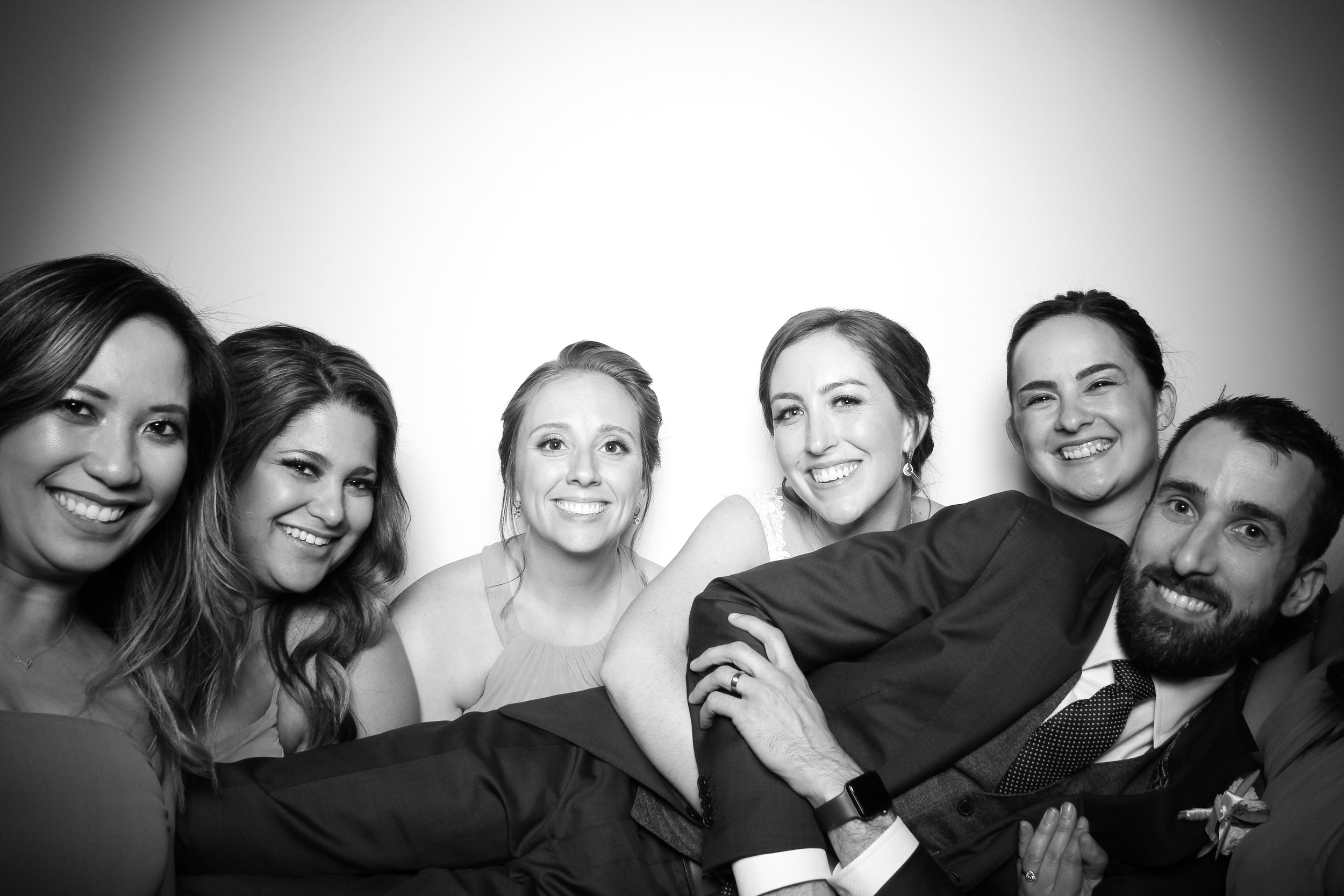 Chicago_Vintage_Wedding_Photobooth_Ravenswood_11.jpg
