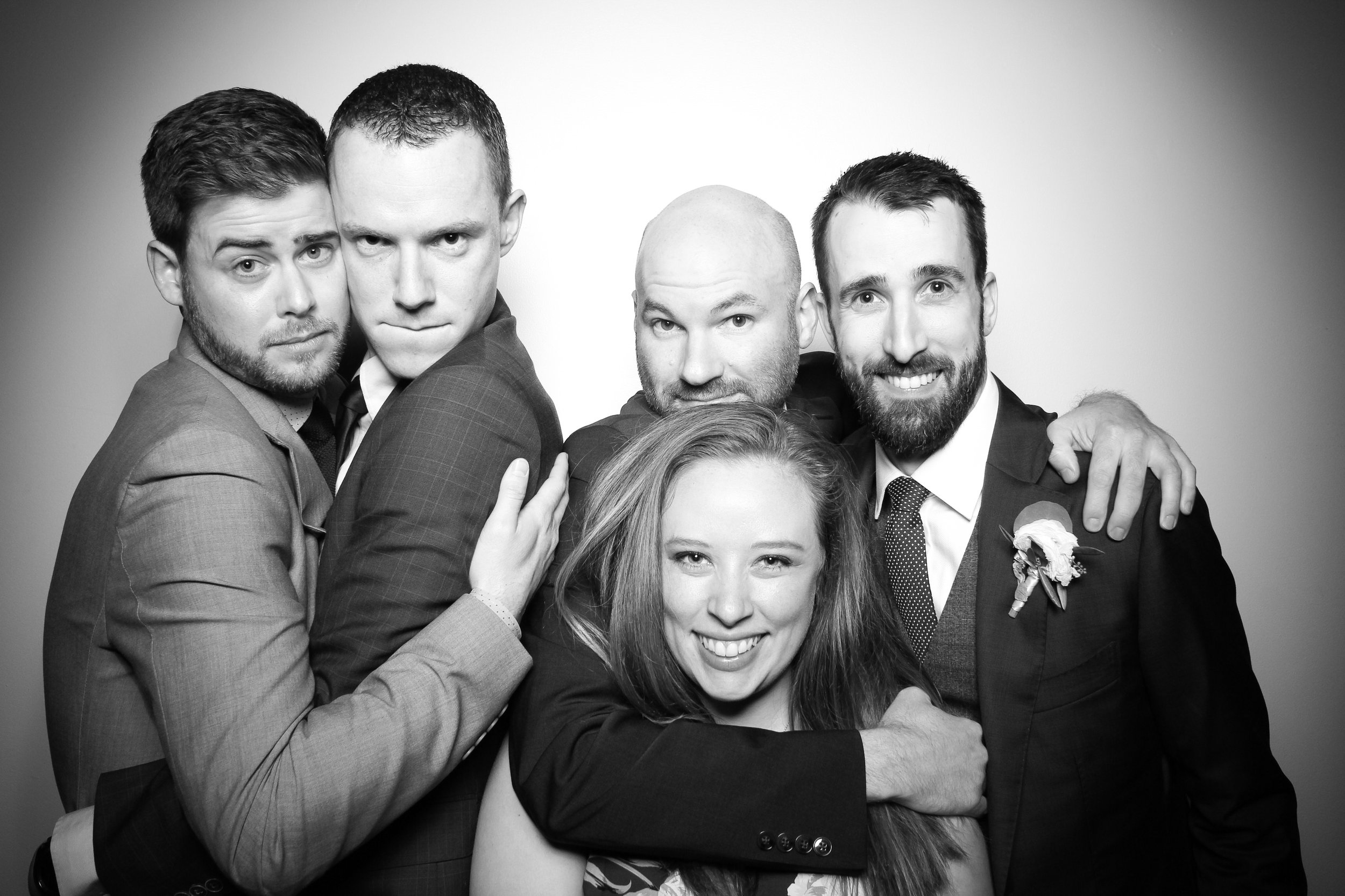 Chicago_Vintage_Wedding_Photobooth_Ravenswood_16.jpg