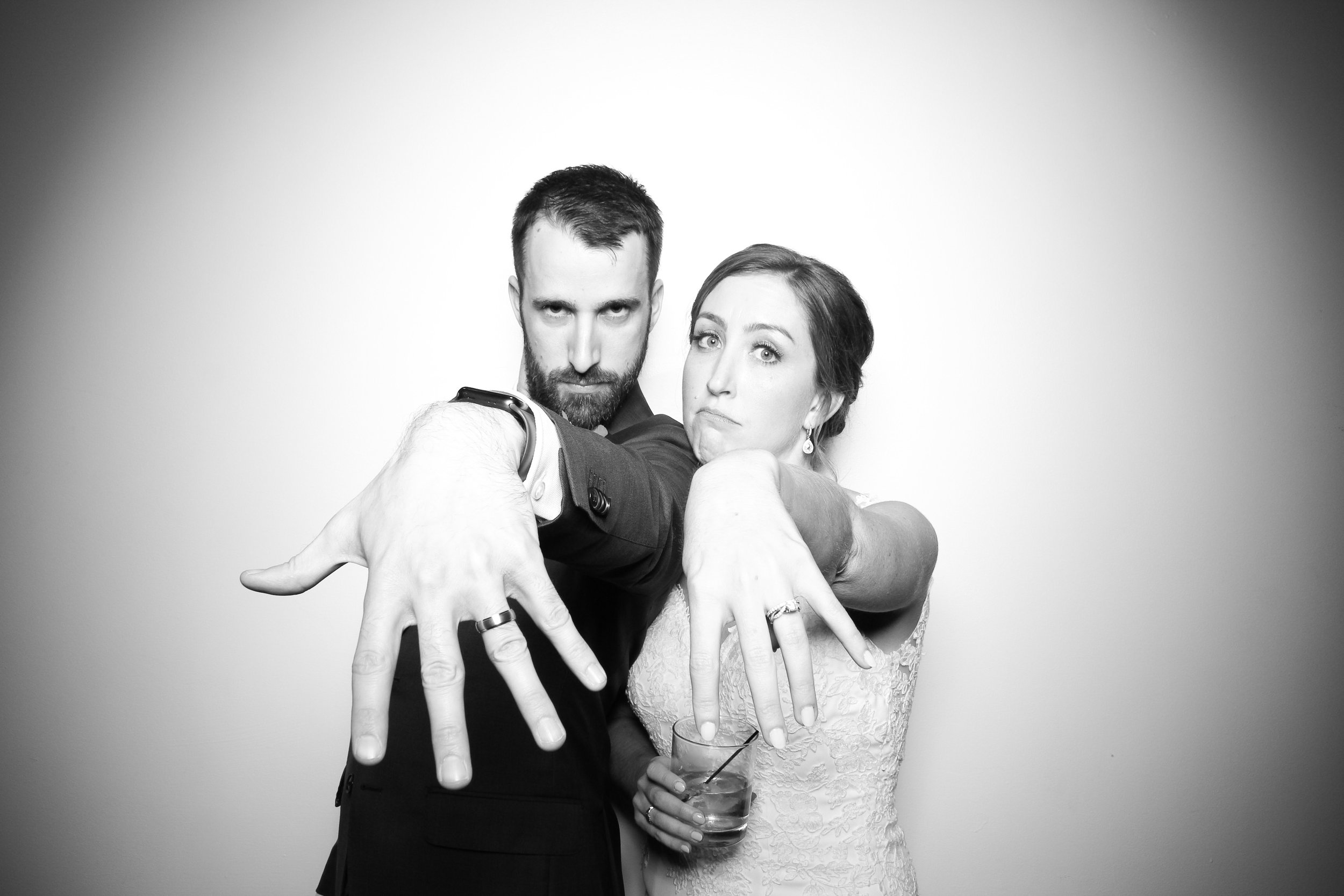 Chicago_Vintage_Wedding_Photobooth_Ravenswood_18.jpg