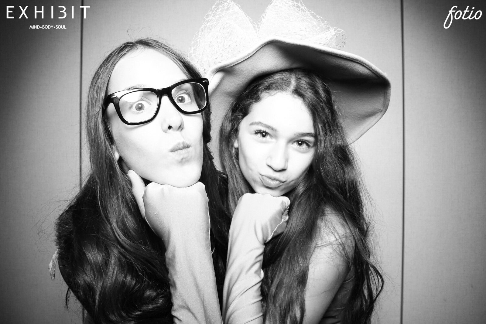 Chicago_Vintage_Photobooth_River_Forest_Country_Club_20.jpg