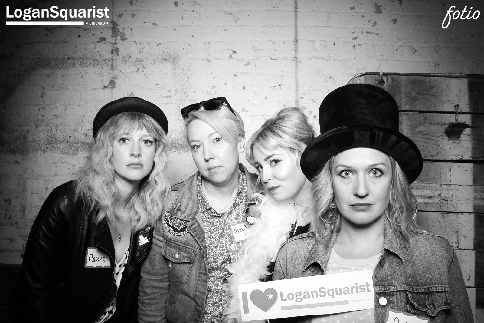 Chicago_Vintage_Photobooth_Joinery_Logan_Square_03.jpg