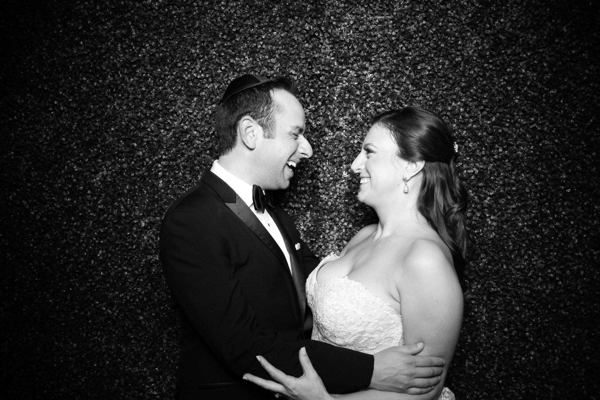 Ivy_Room_Chicago_Wedding_Reception_Photo_Booth_Rental__02.jpg