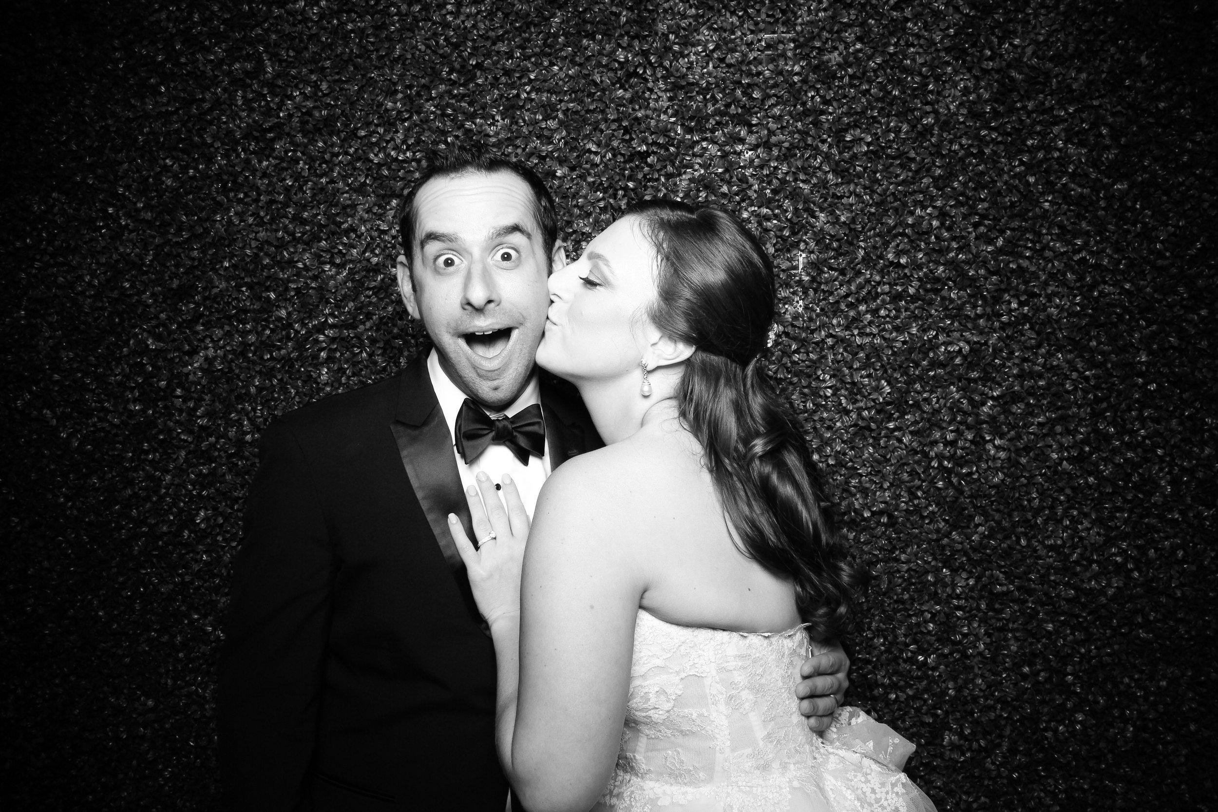 Ivy_Room_Chicago_Wedding_Reception_Photo_Booth_Rental__03.jpg