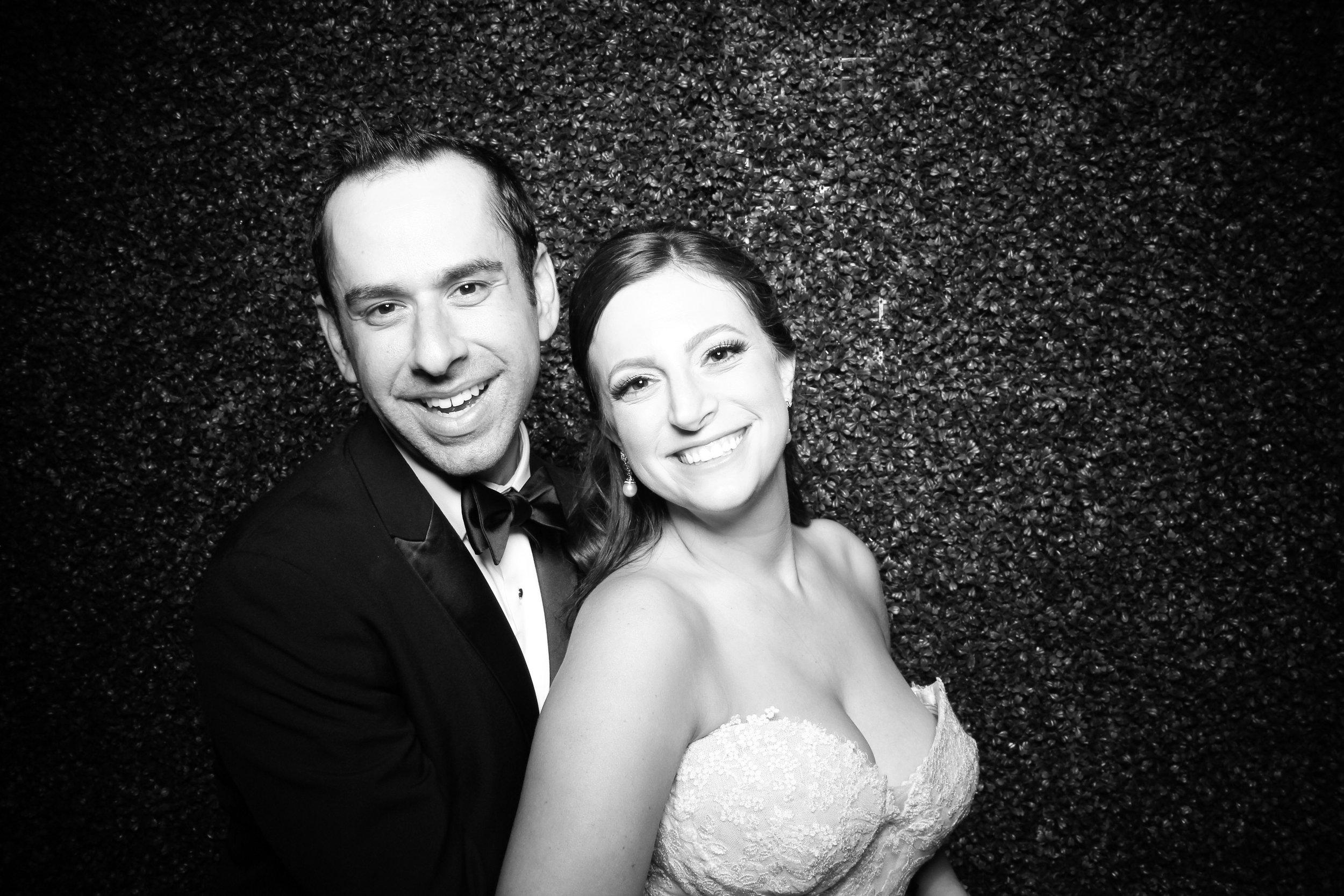 Ivy_Room_Chicago_Wedding_Reception_Photo_Booth_Rental__04.jpg