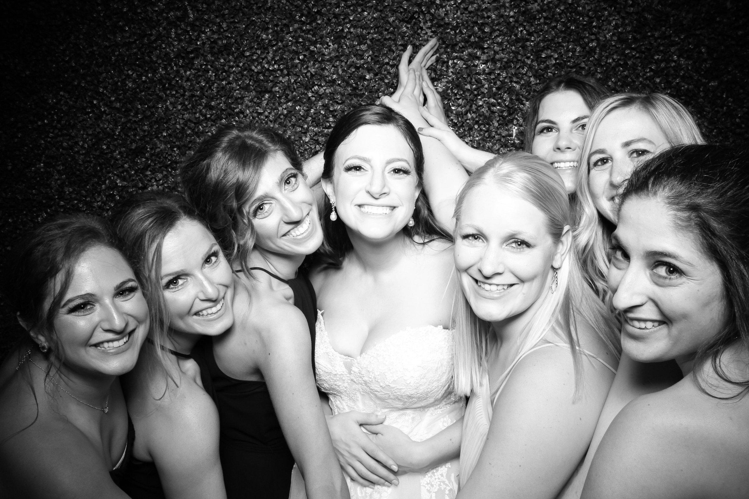 Ivy_Room_Chicago_Wedding_Reception_Photo_Booth_Rental__16.jpg