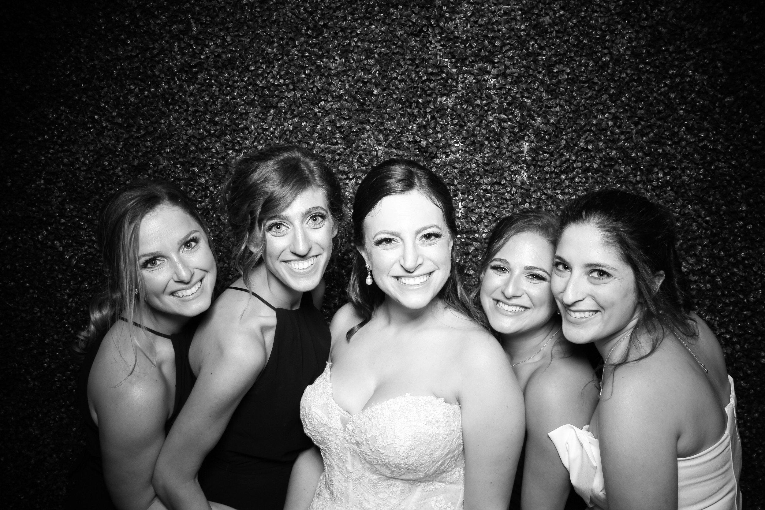 Ivy_Room_Chicago_Wedding_Reception_Photo_Booth_Rental__17.jpg