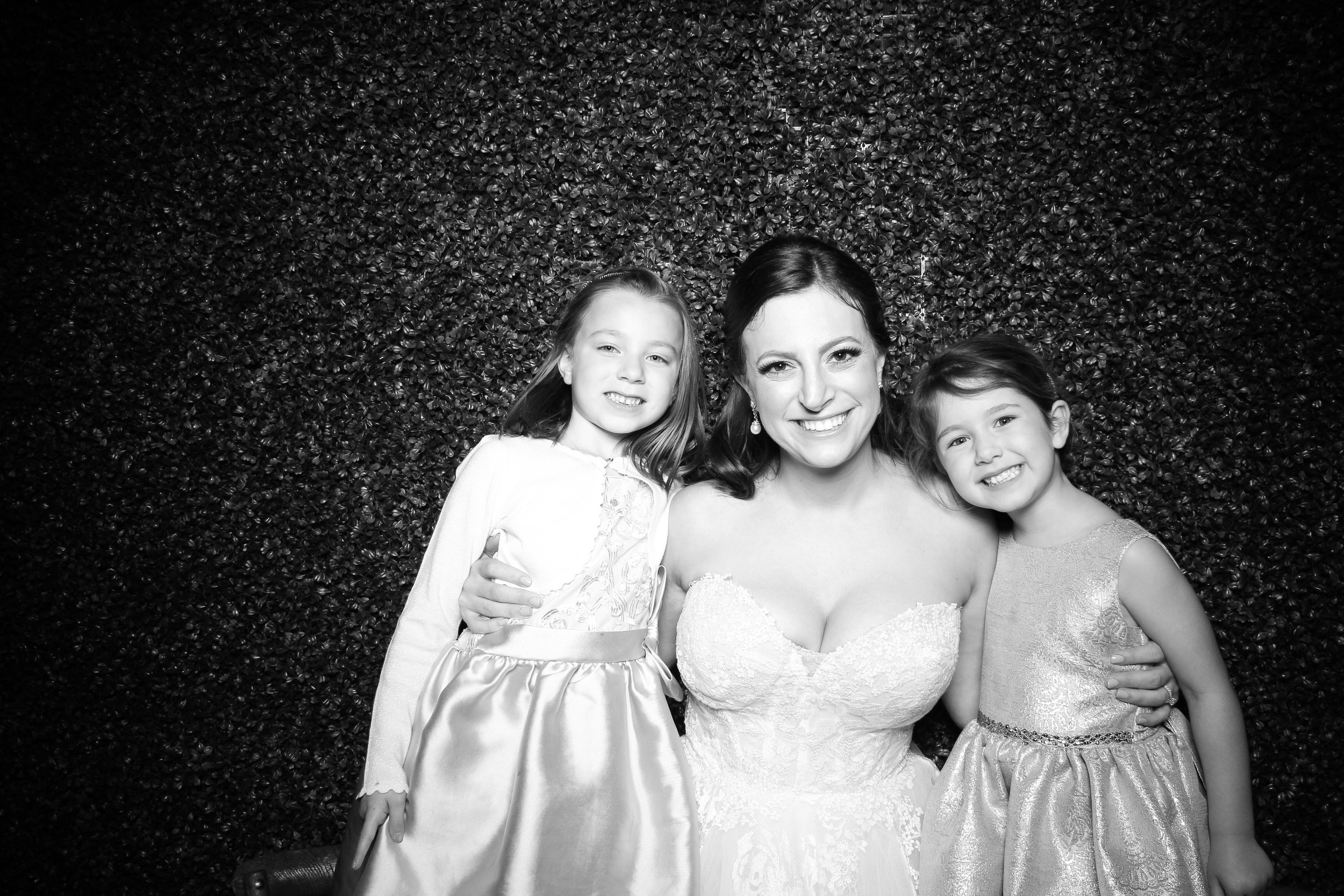 Ivy_Room_Chicago_Wedding_Reception_Photo_Booth_Rental__18.jpg