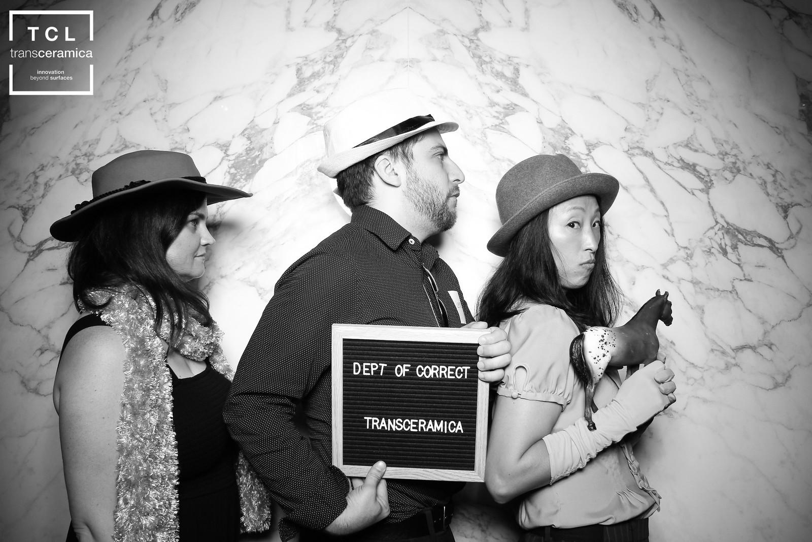 Chicago_Vintage_Wedding_Photobooth_NeoCon_Transceramica_18.jpg