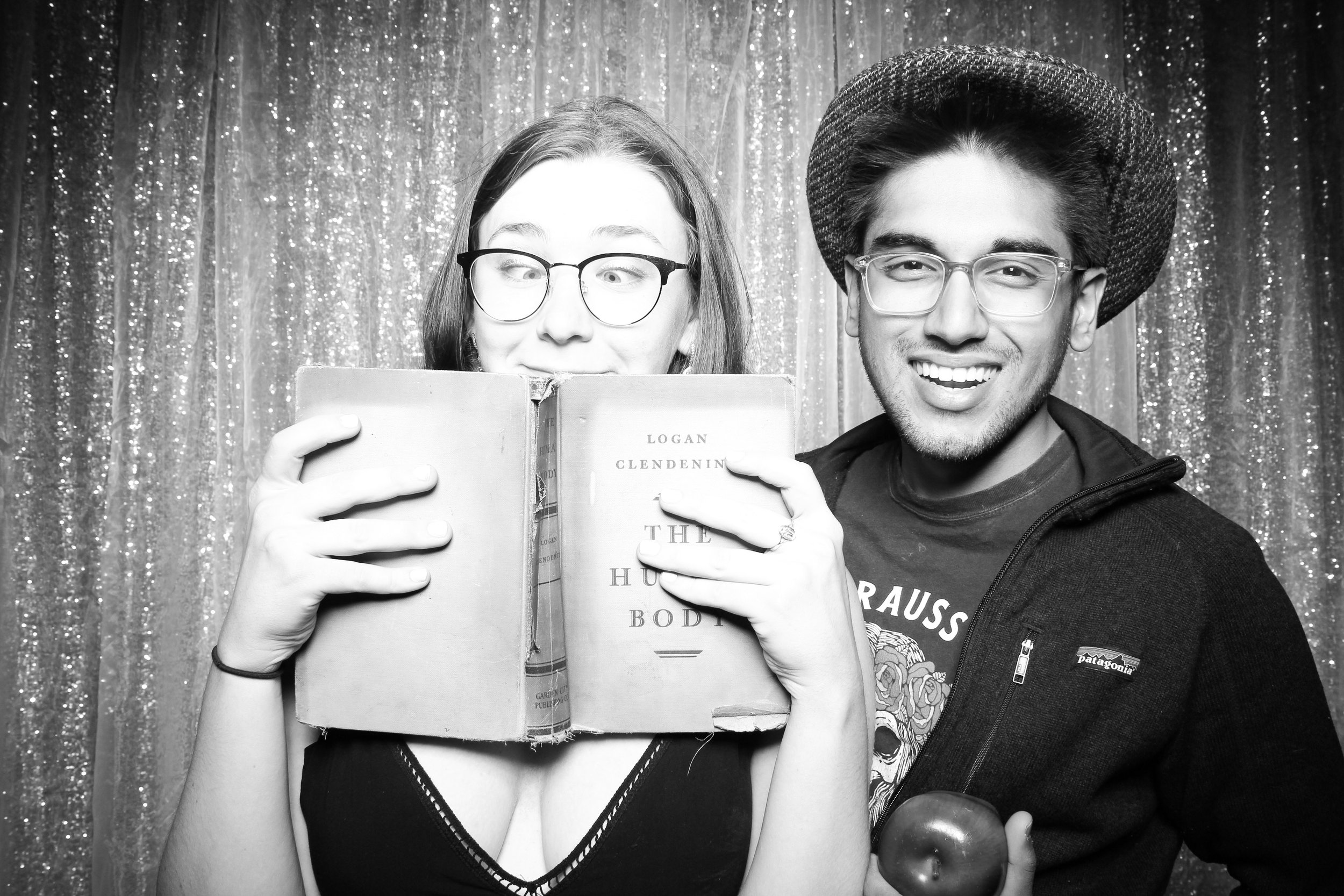 Chicago_Vintage_Wedding_Photobooth_Hyde_Park_04.jpg