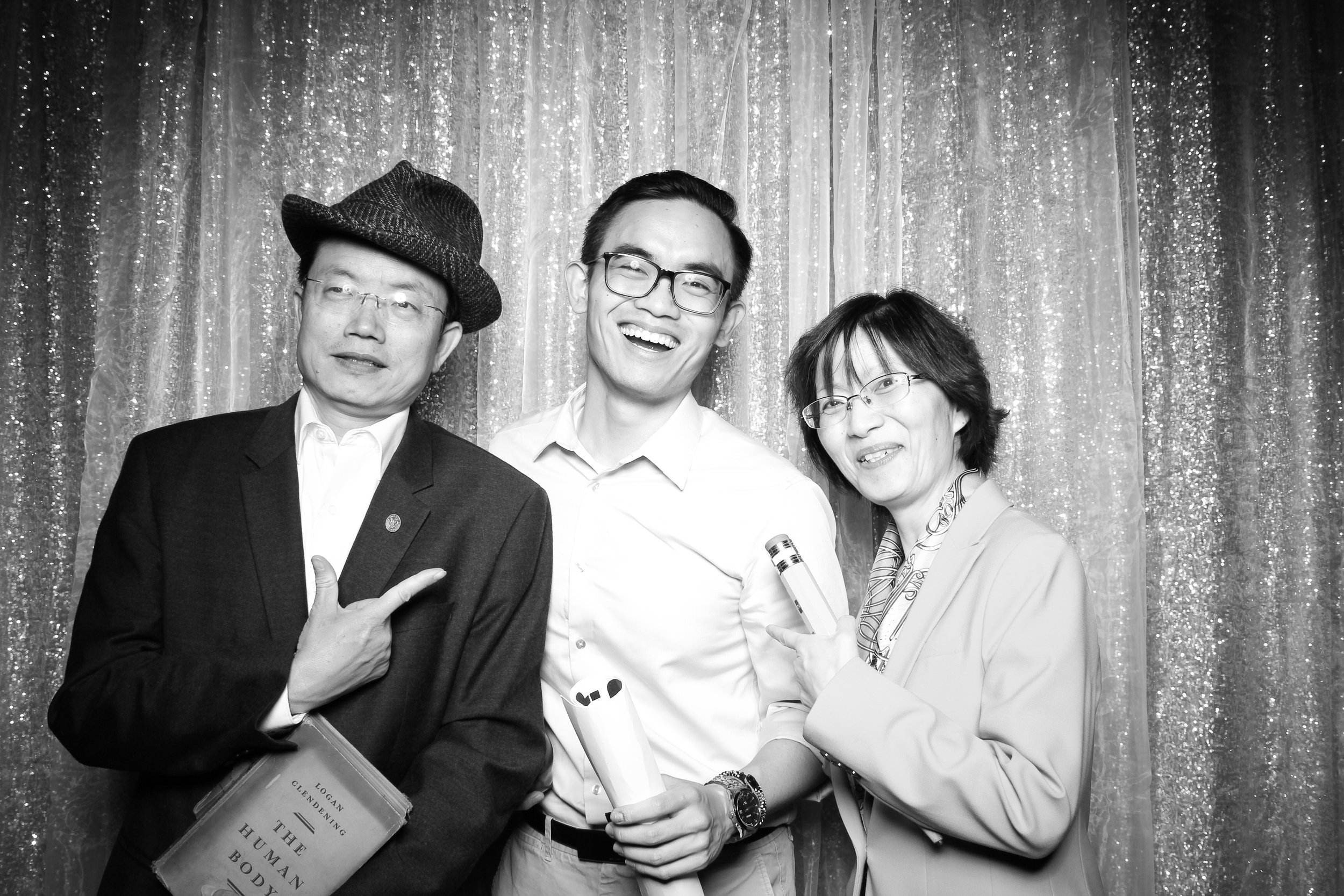 Chicago_Vintage_Wedding_Photobooth_Hyde_Park_06.jpg