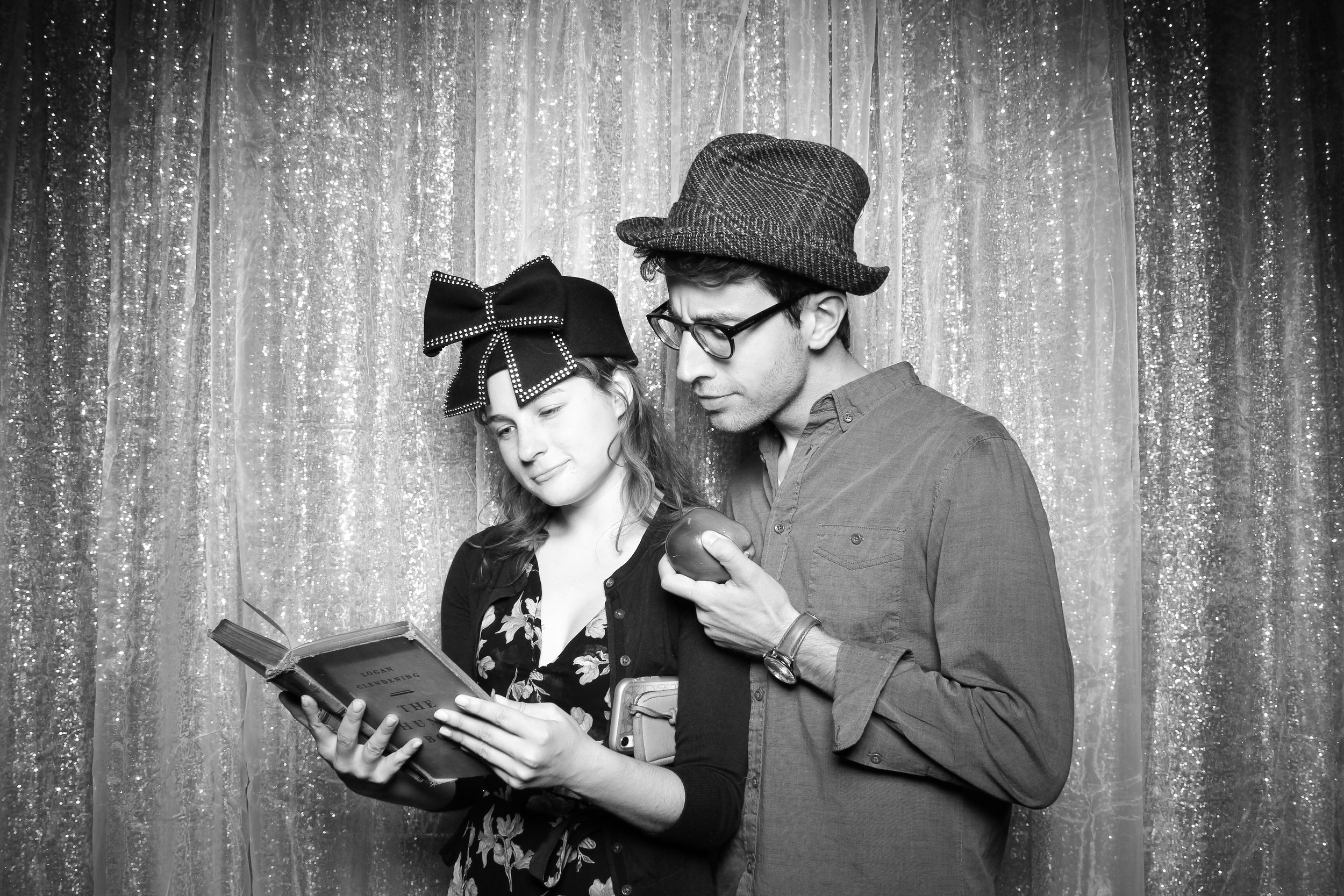 Chicago_Vintage_Wedding_Photobooth_Hyde_Park_05.jpg